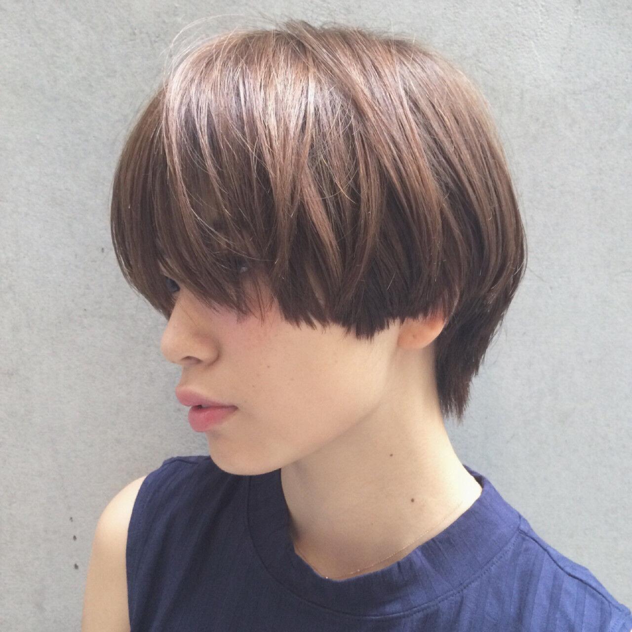 ショート アッシュ モード 小顔ヘアスタイルや髪型の写真・画像