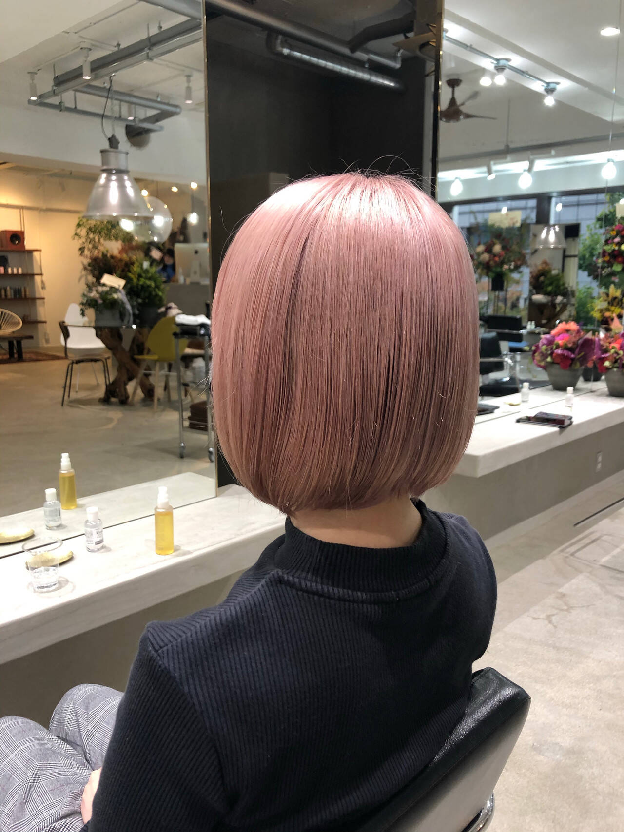 ハイライト ブリーチ ピンクアッシュ ボブヘアスタイルや髪型の写真・画像