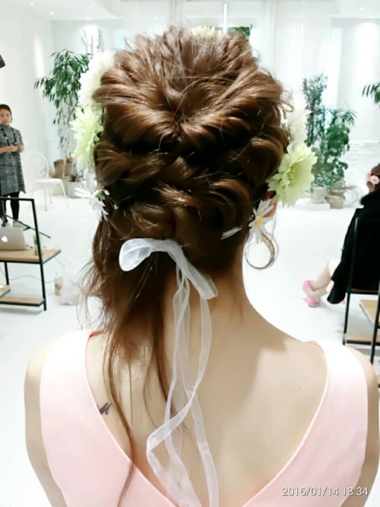 波ウェーブ ヘアアレンジ セミロング ブライダルヘアスタイルや髪型の写真・画像