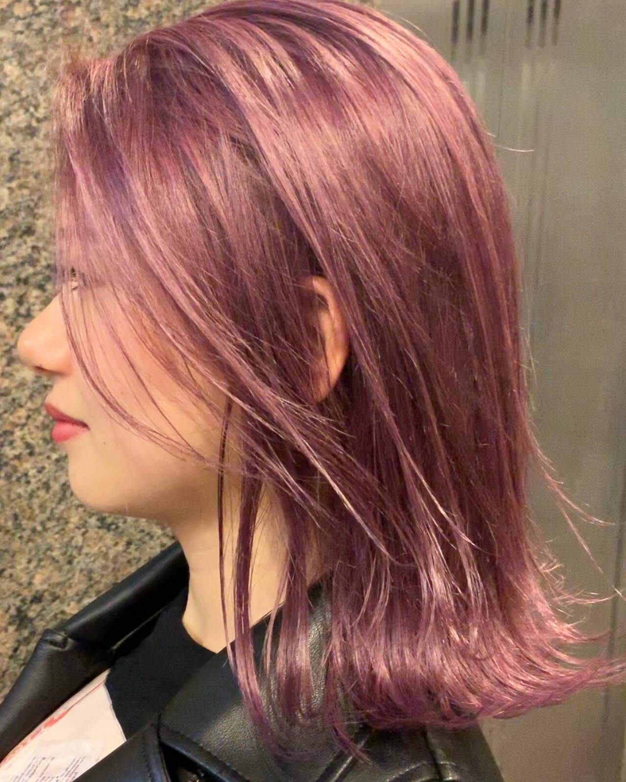 ピンクアッシュ 3Dカラー フェミニン 外ハネボブヘアスタイルや髪型の写真・画像