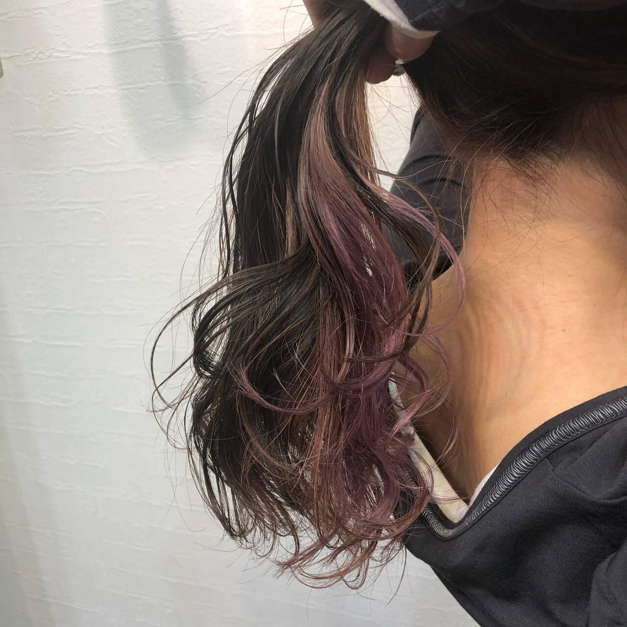 裾カラー フェミニン インナーピンク インナーカラーヘアスタイルや髪型の写真・画像