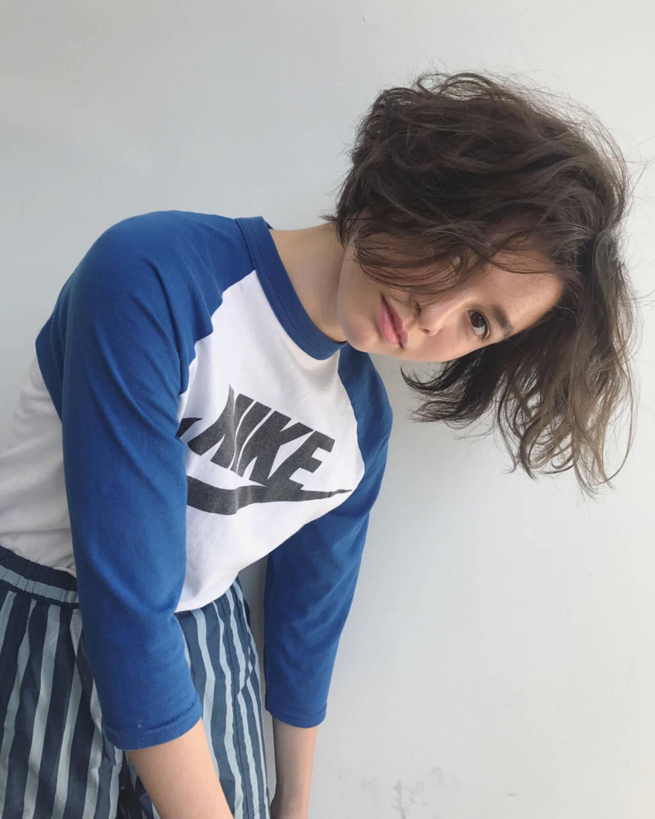パーマ ウェーブ ゆるふわ ストリートヘアスタイルや髪型の写真・画像