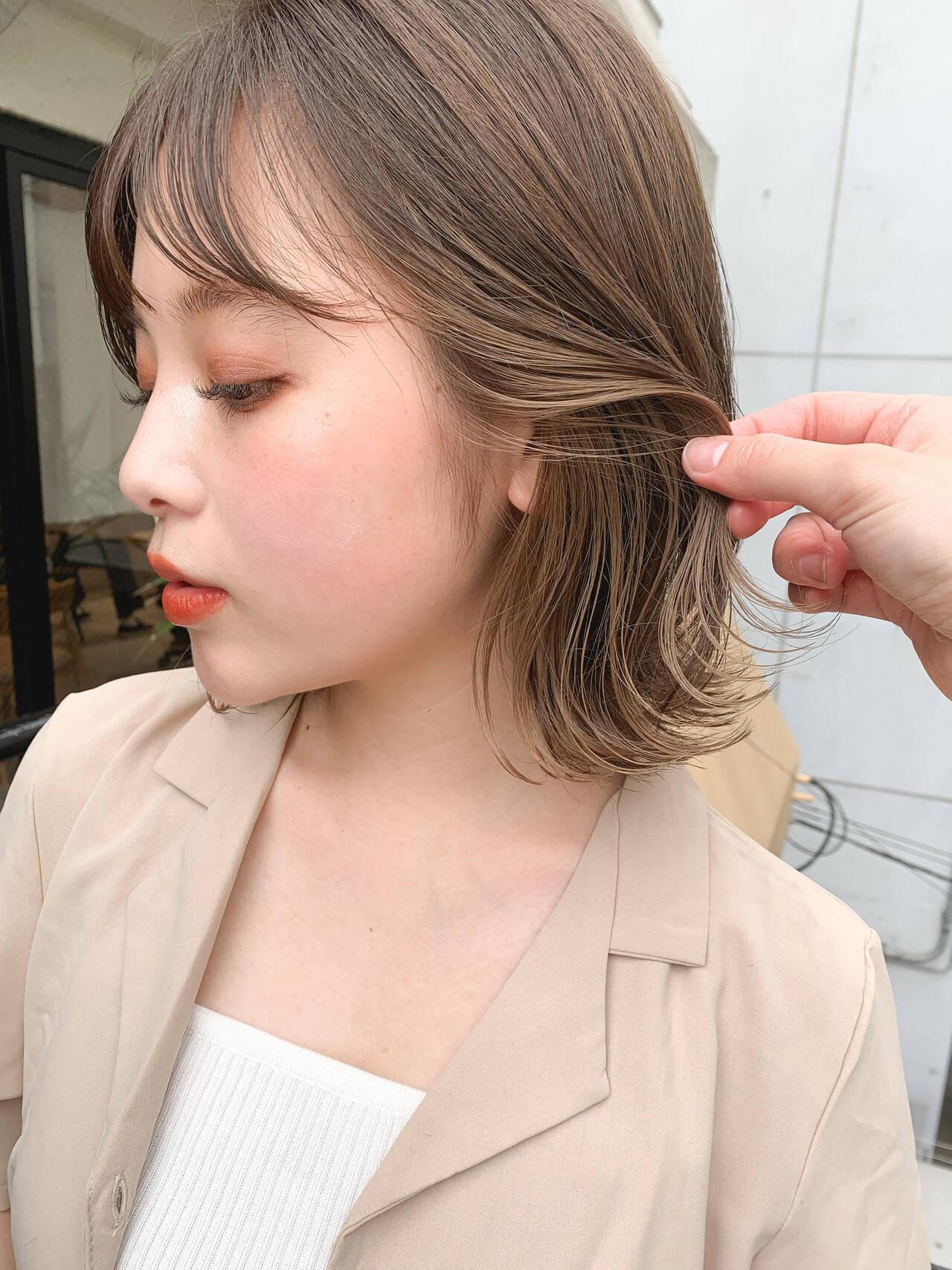 ボブ シアーベージュ インナーカラー ストリートヘアスタイルや髪型の写真・画像
