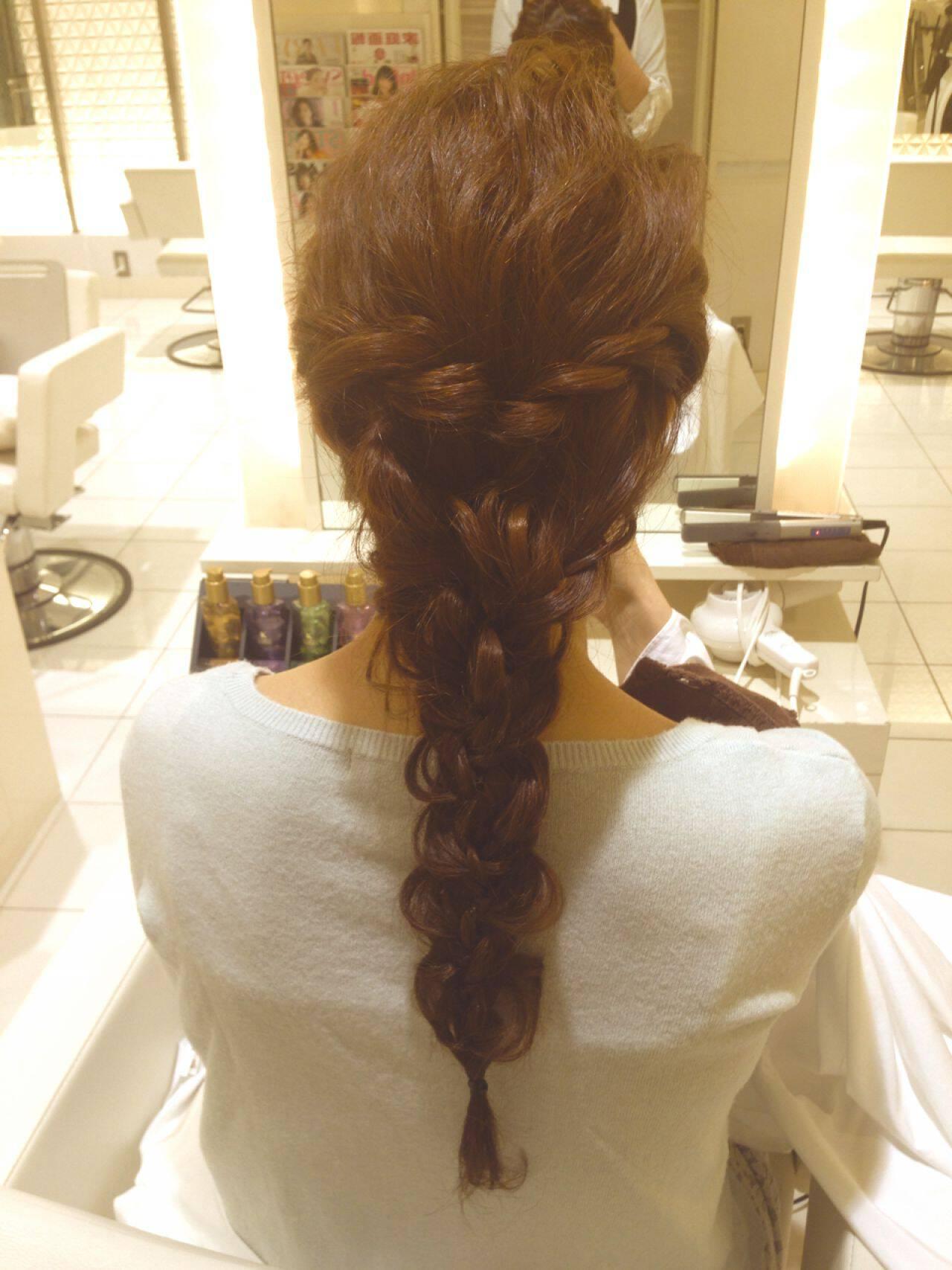 ルーズ コンサバ ショート 三つ編みヘアスタイルや髪型の写真・画像