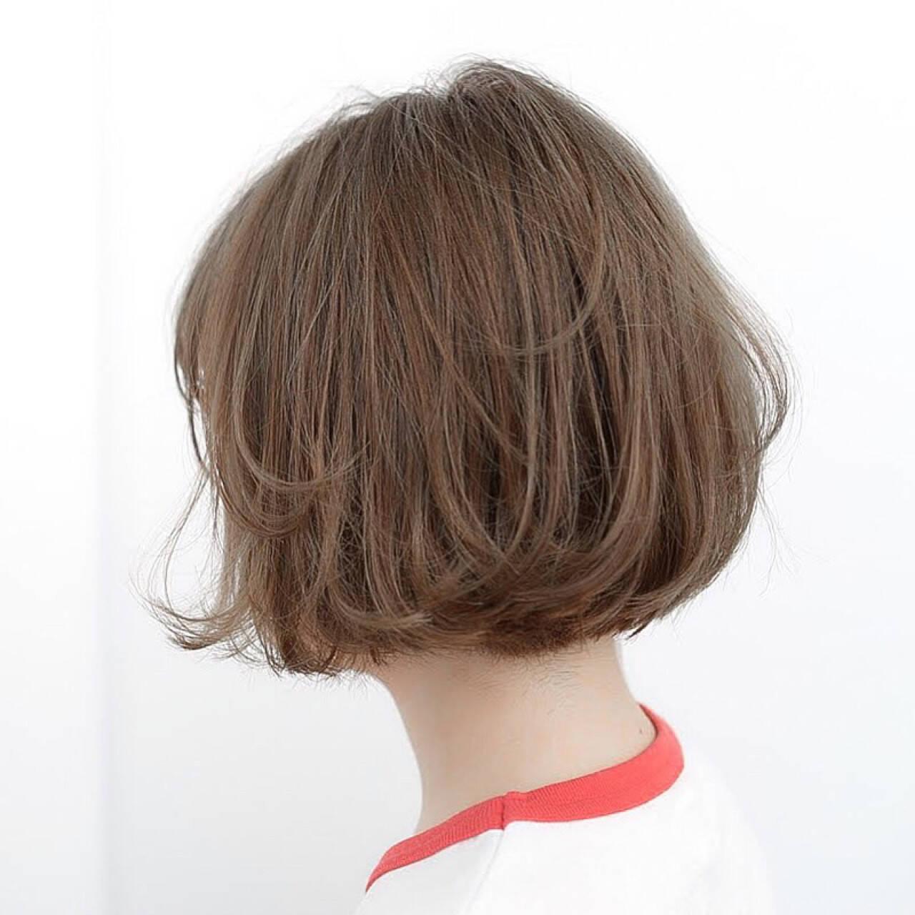 ナチュラル 前髪あり グレージュ ボブヘアスタイルや髪型の写真・画像