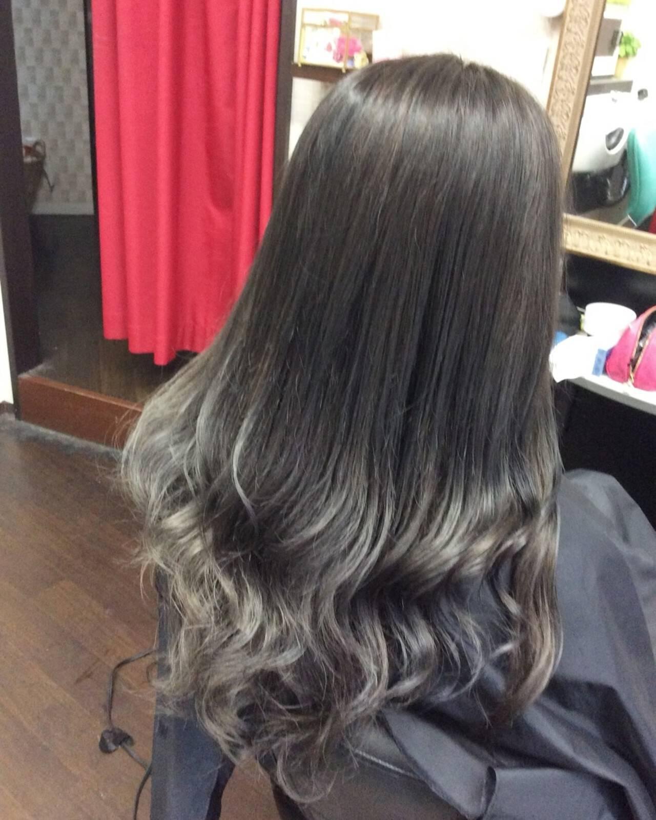 ロング ガーリー ナチュラルグラデーション グラデーションヘアスタイルや髪型の写真・画像
