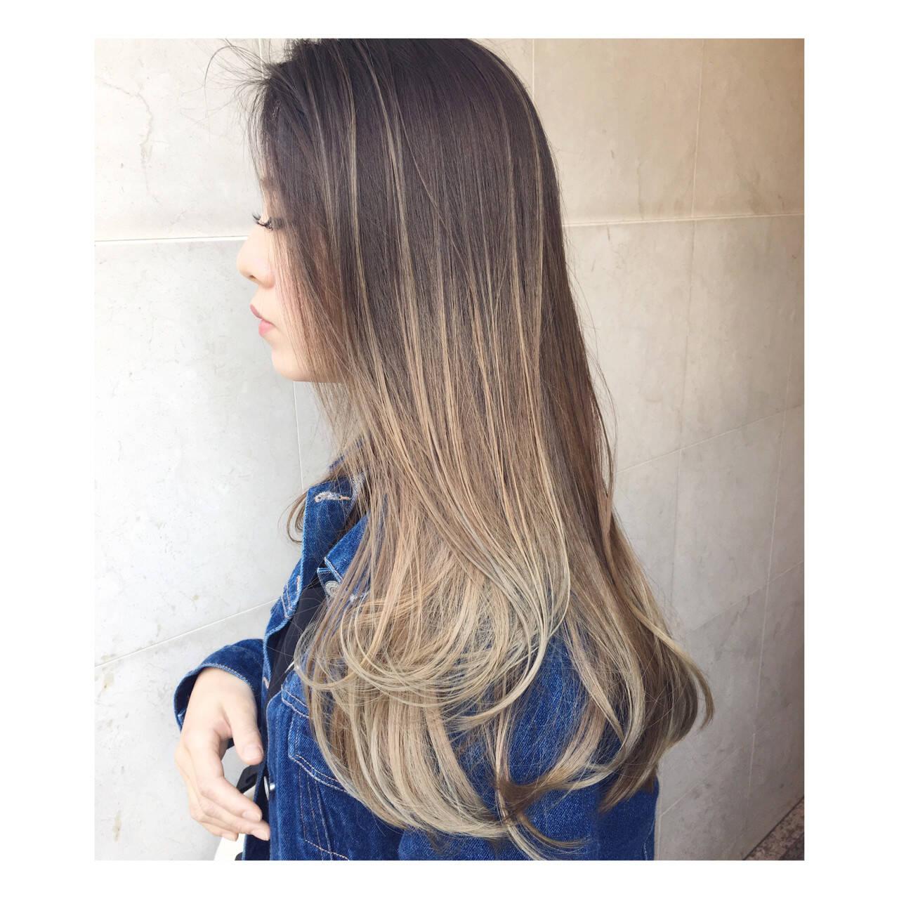 グラデーションカラー 外国人風 ロング ベージュヘアスタイルや髪型の写真・画像