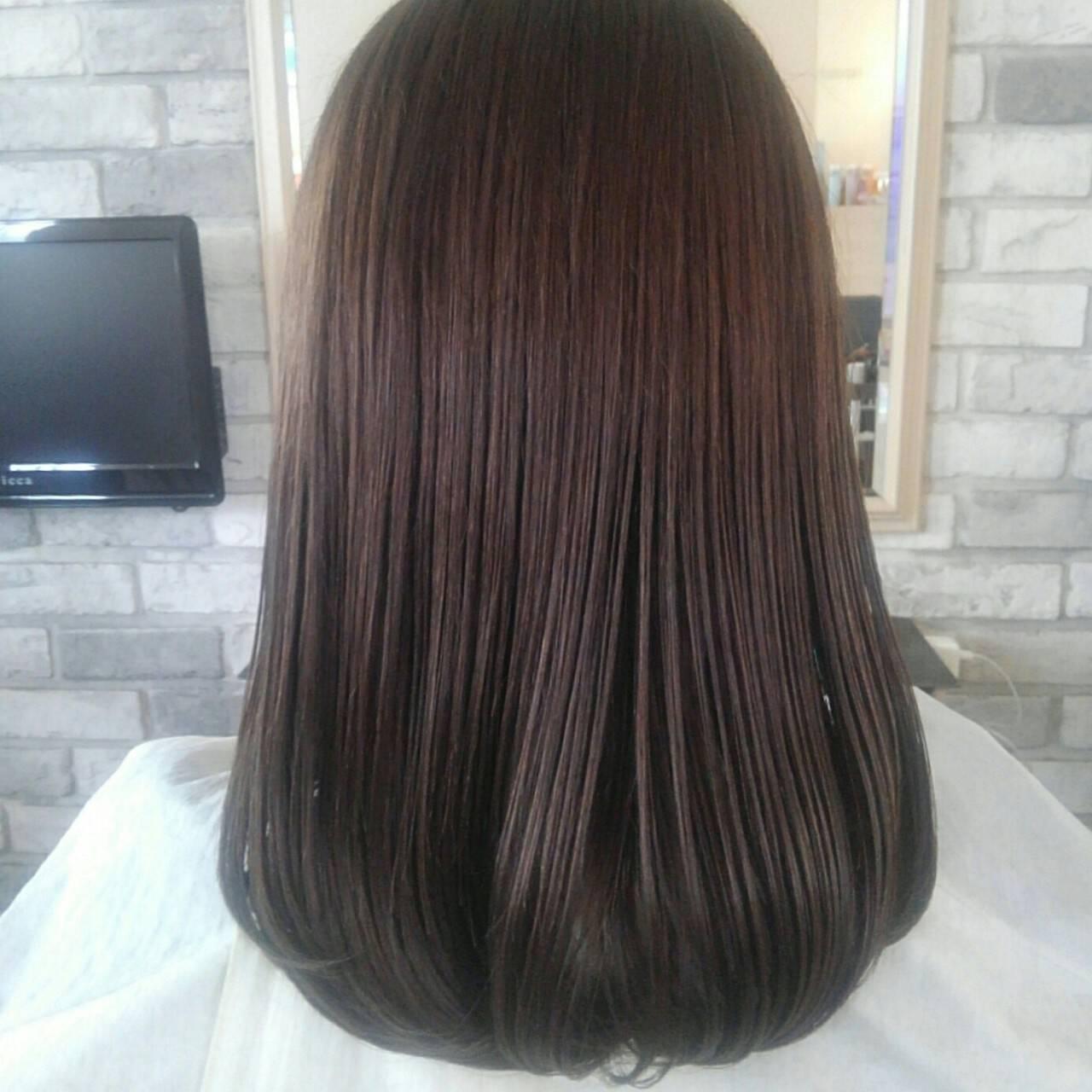 透明感 アッシュ セミロング グレージュヘアスタイルや髪型の写真・画像