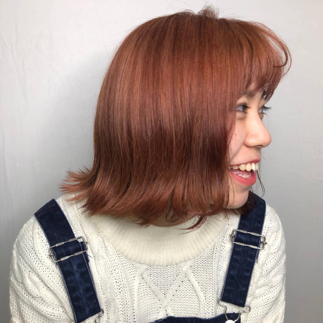 ハイトーン フェミニン ピンク 切りっぱなしボブヘアスタイルや髪型の写真・画像
