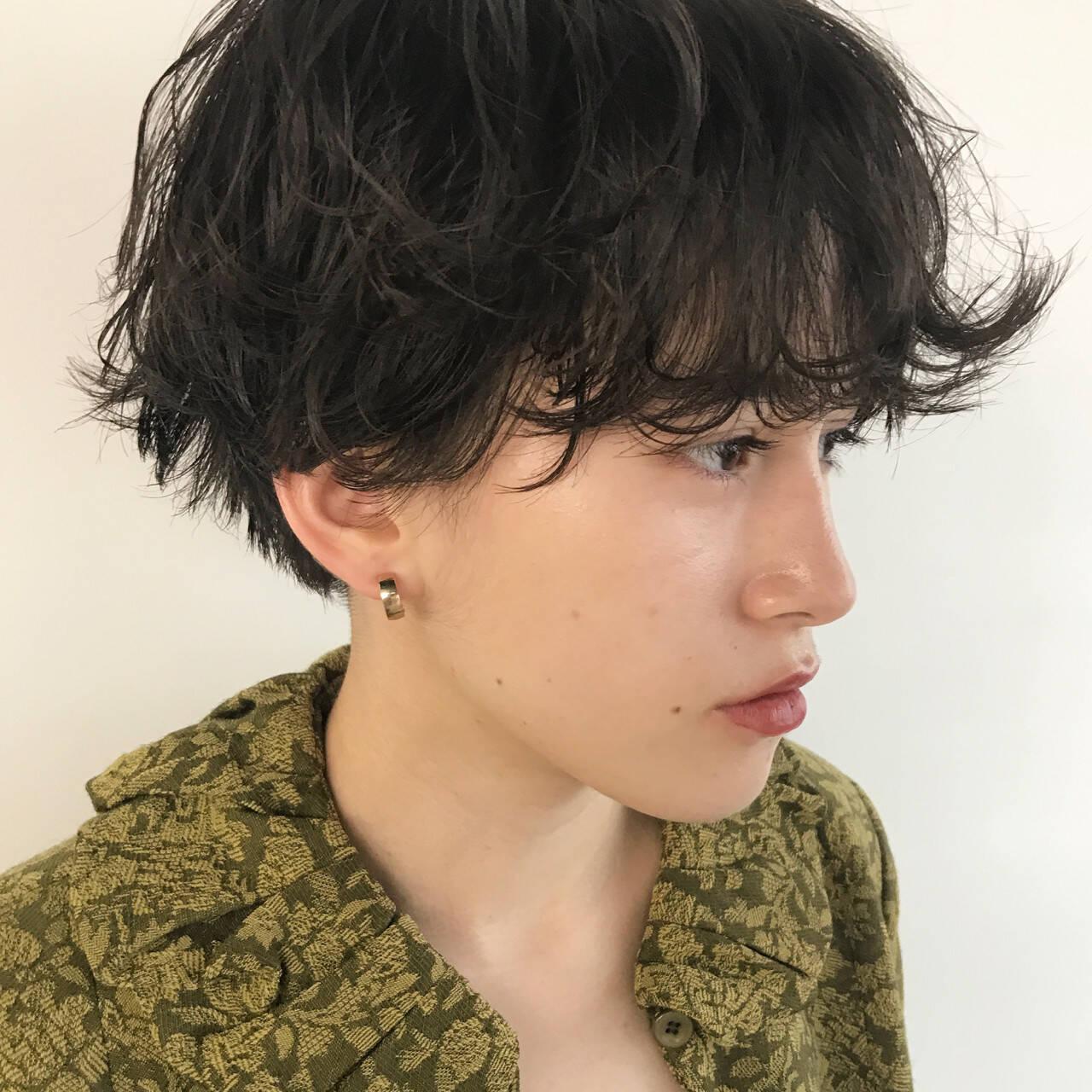 ショート 前髪パーマ ウェットヘア 簡単ヘアアレンジヘアスタイルや髪型の写真・画像