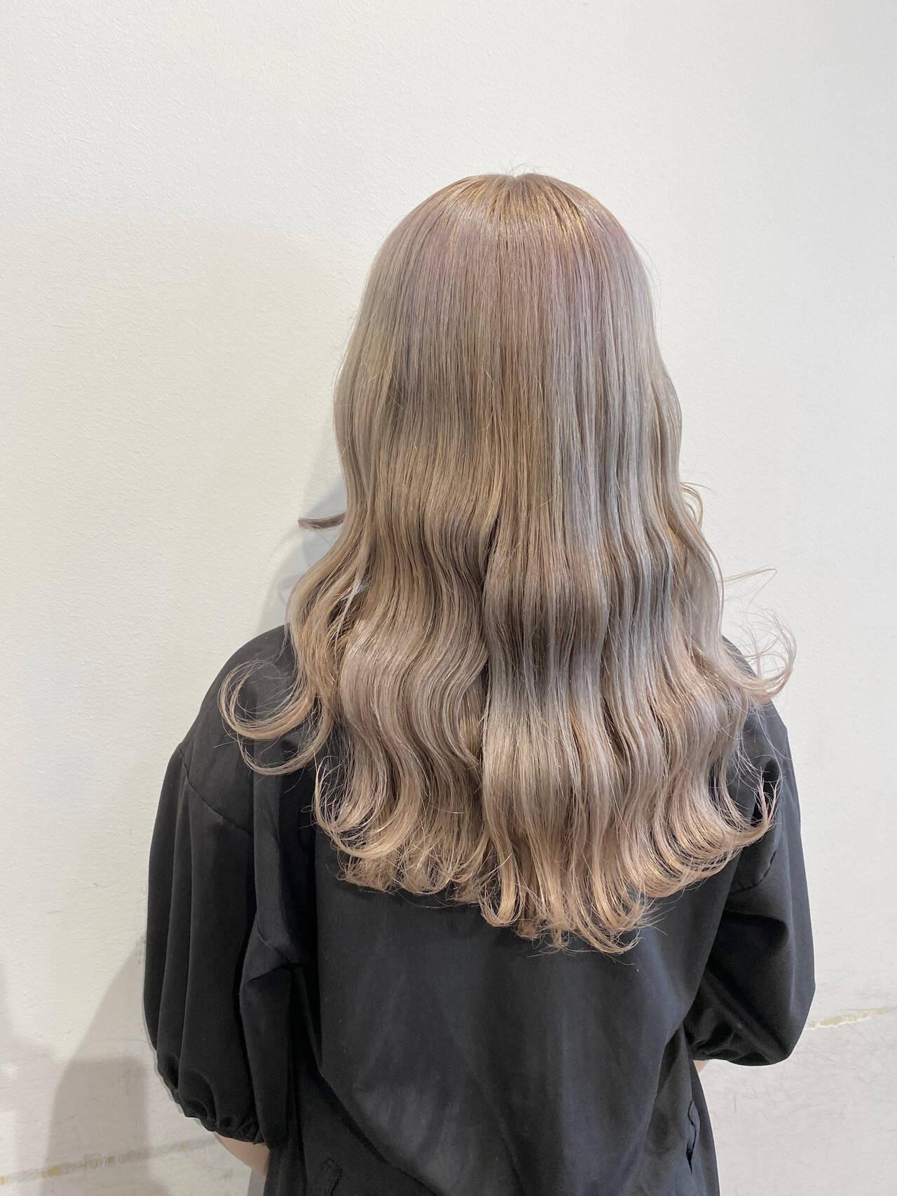 韓国風ヘアー 韓国 ミルクティーベージュ ロングヘアスタイルや髪型の写真・画像