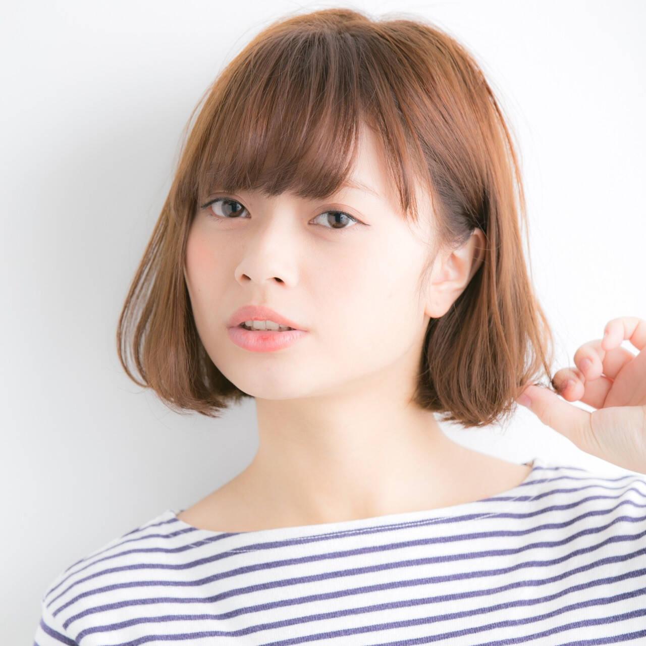 ナチュラル 小顔ヘア ミニボブ 切りっぱなしボブヘアスタイルや髪型の写真・画像