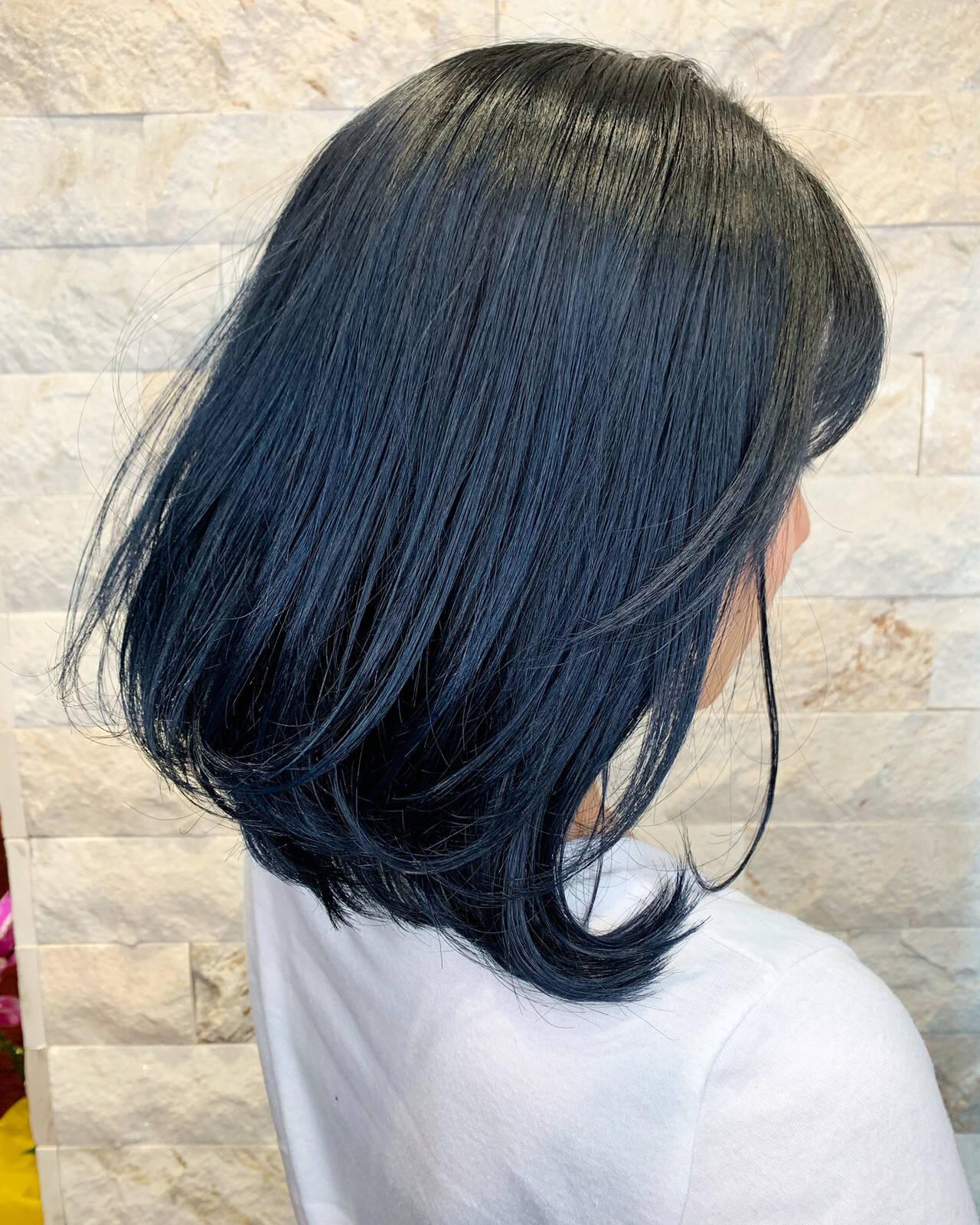 ボブ ネイビーアッシュ ストリート ネイビーカラーヘアスタイルや髪型の写真・画像
