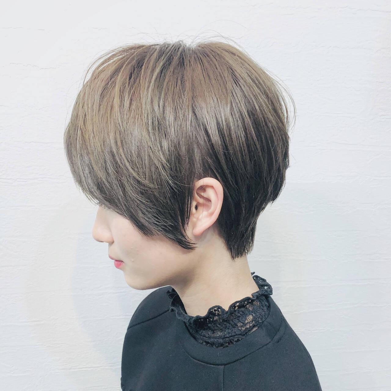 アッシュ 横顔美人 ハンサムショート ショートヘアヘアスタイルや髪型の写真・画像