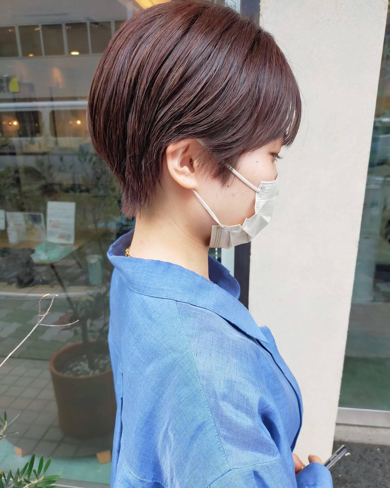 ナチュラルベージュ ナチュラル ショートヘア ワイドバングヘアスタイルや髪型の写真・画像
