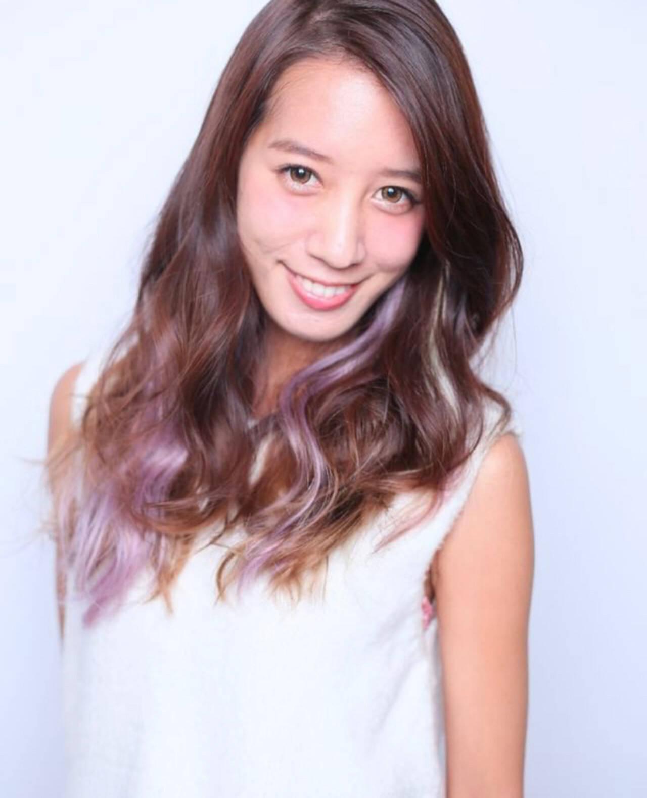 ロング グラデーションカラー ガーリー インナーカラーパープルヘアスタイルや髪型の写真・画像