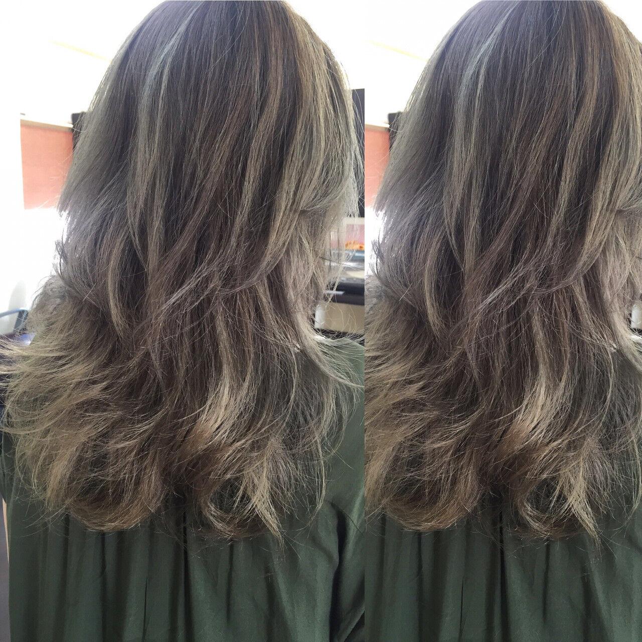 ストリート アッシュ グレージュ グラデーションカラーヘアスタイルや髪型の写真・画像