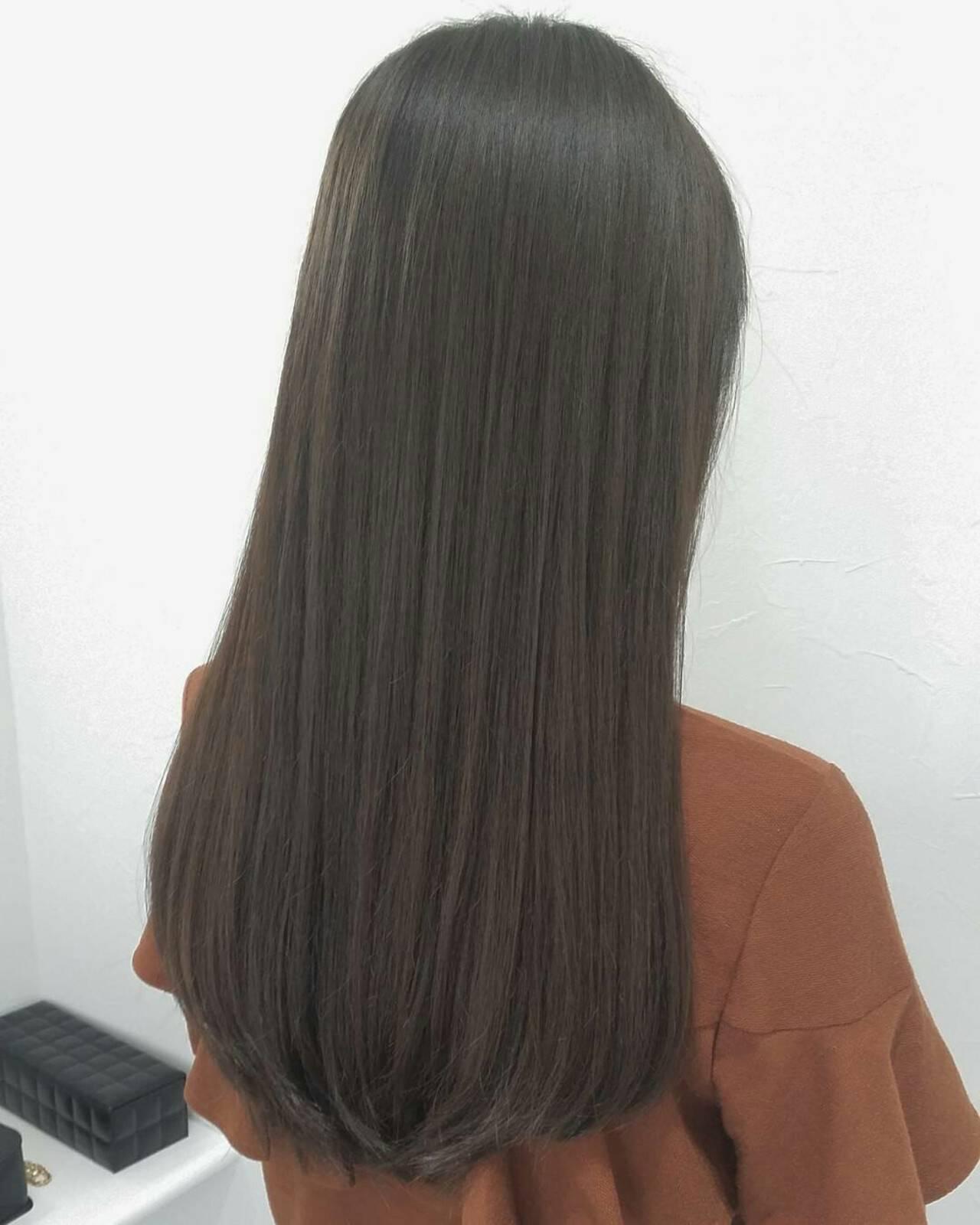 イルミナカラー アッシュ コンサバ 暗髪ヘアスタイルや髪型の写真・画像