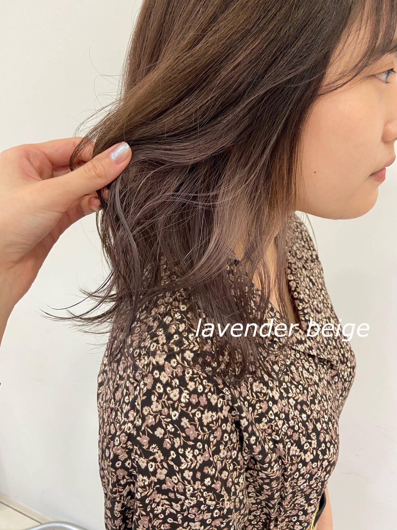 ミディアム ラベンダー イヤリングカラー インナーラベンダーヘアスタイルや髪型の写真・画像