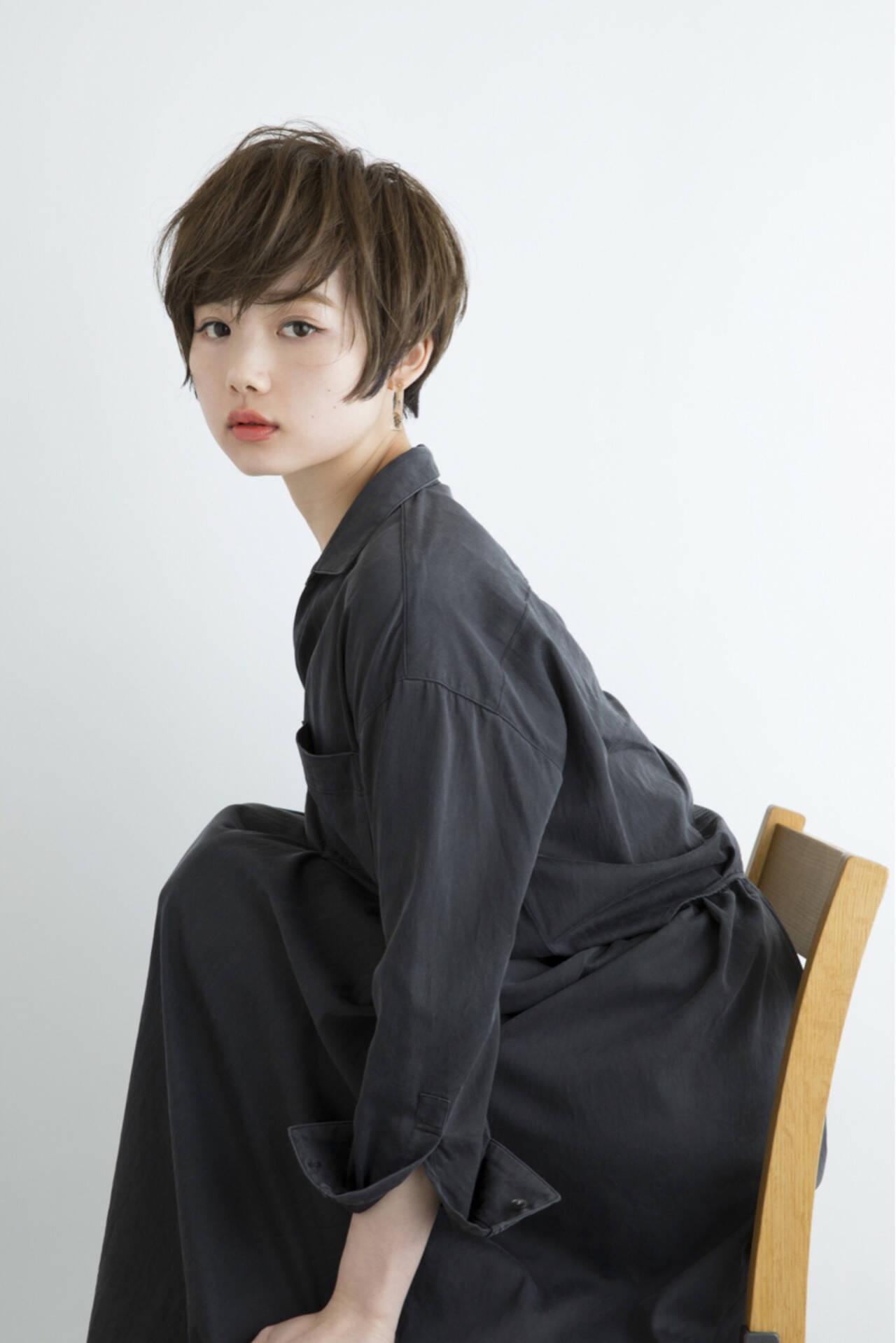 ショート フリンジバング ナチュラル 似合わせヘアスタイルや髪型の写真・画像