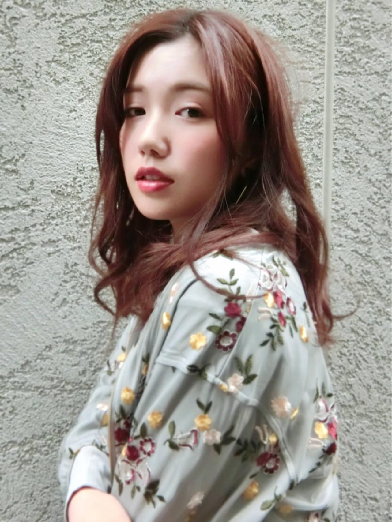 パーマ アンニュイ 前髪あり ロングヘアスタイルや髪型の写真・画像