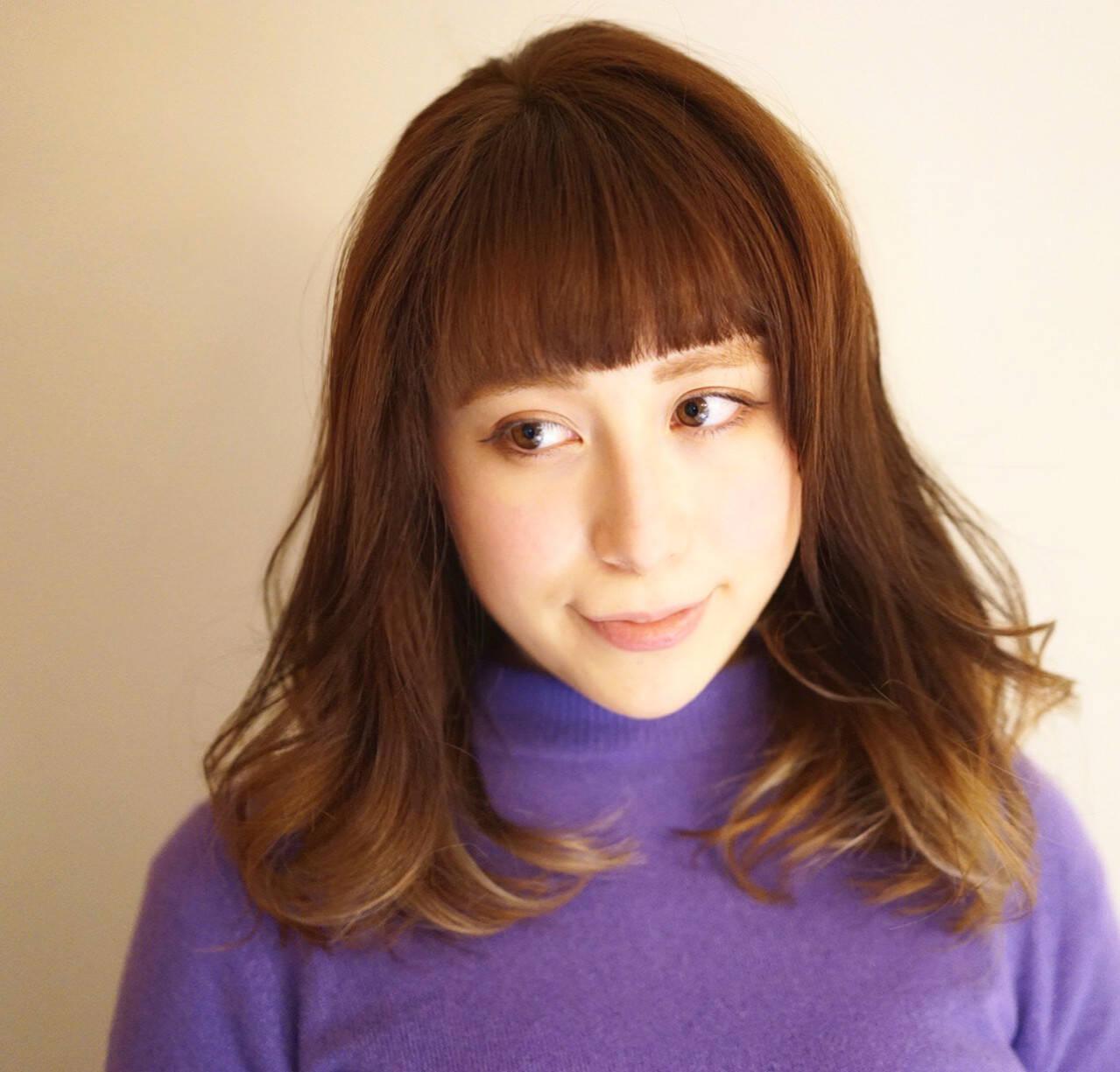 デート セミロング 冬 大人かわいいヘアスタイルや髪型の写真・画像