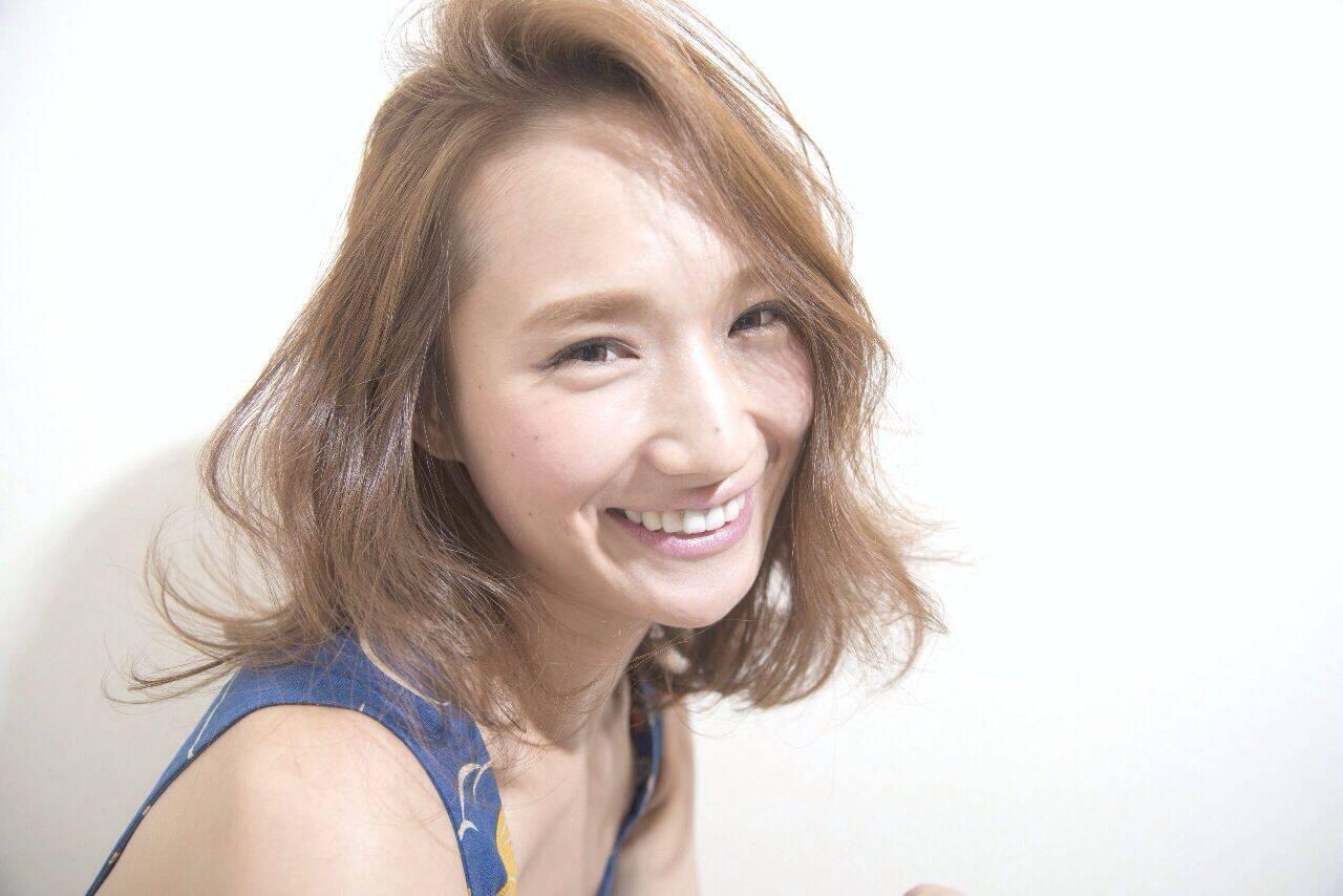 フェミニン ナチュラル ミディアム 大人かわいいヘアスタイルや髪型の写真・画像
