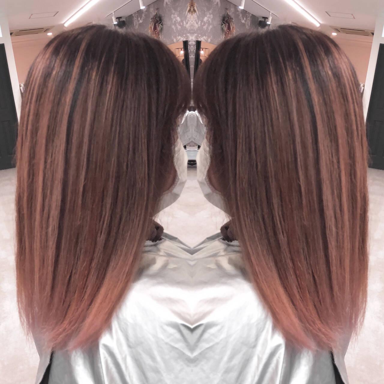 ピンクベージュ ナチュラルベージュ 外国人風 ストリートヘアスタイルや髪型の写真・画像