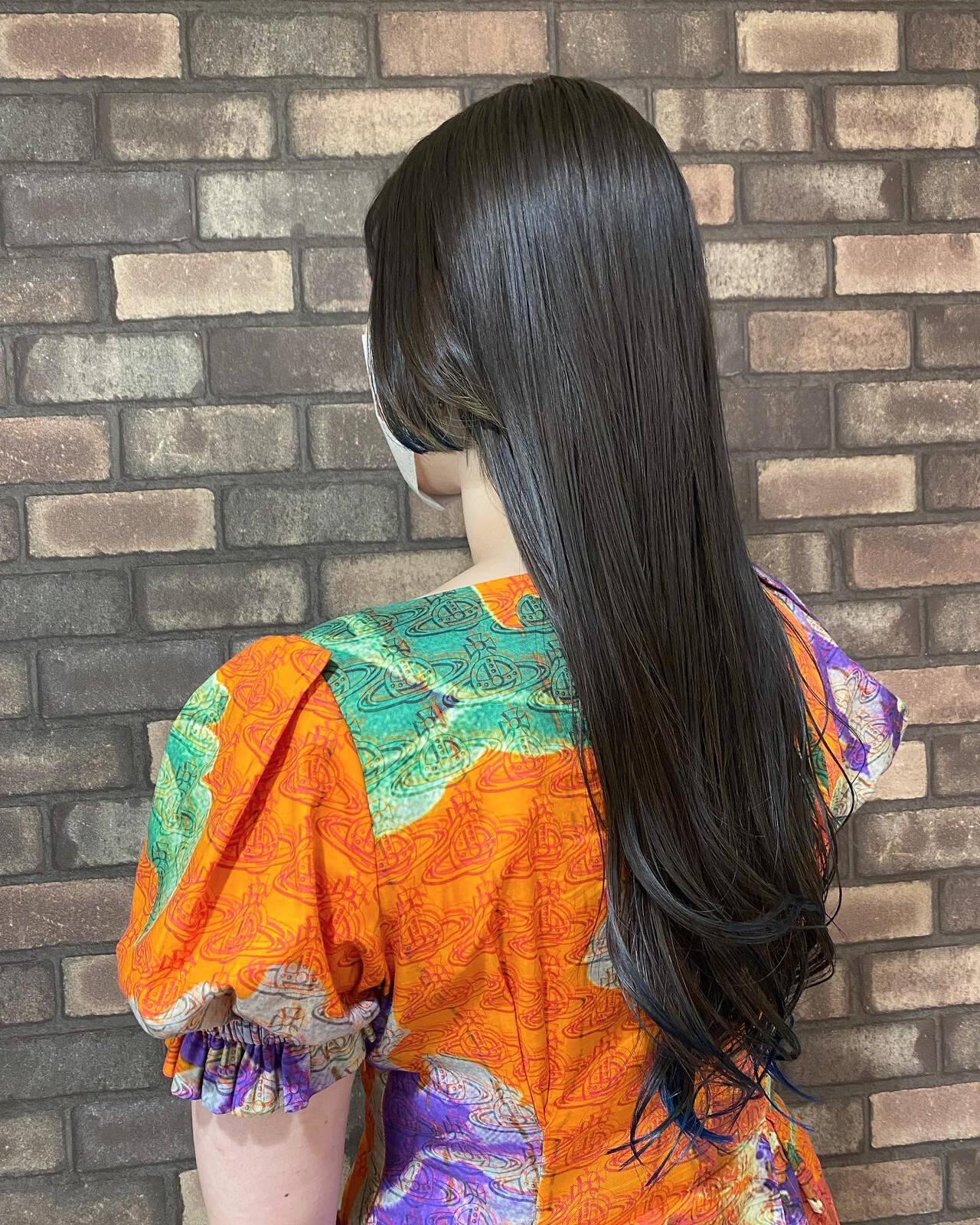 イルミナカラー ブルー ネオウルフ ウルフカットヘアスタイルや髪型の写真・画像