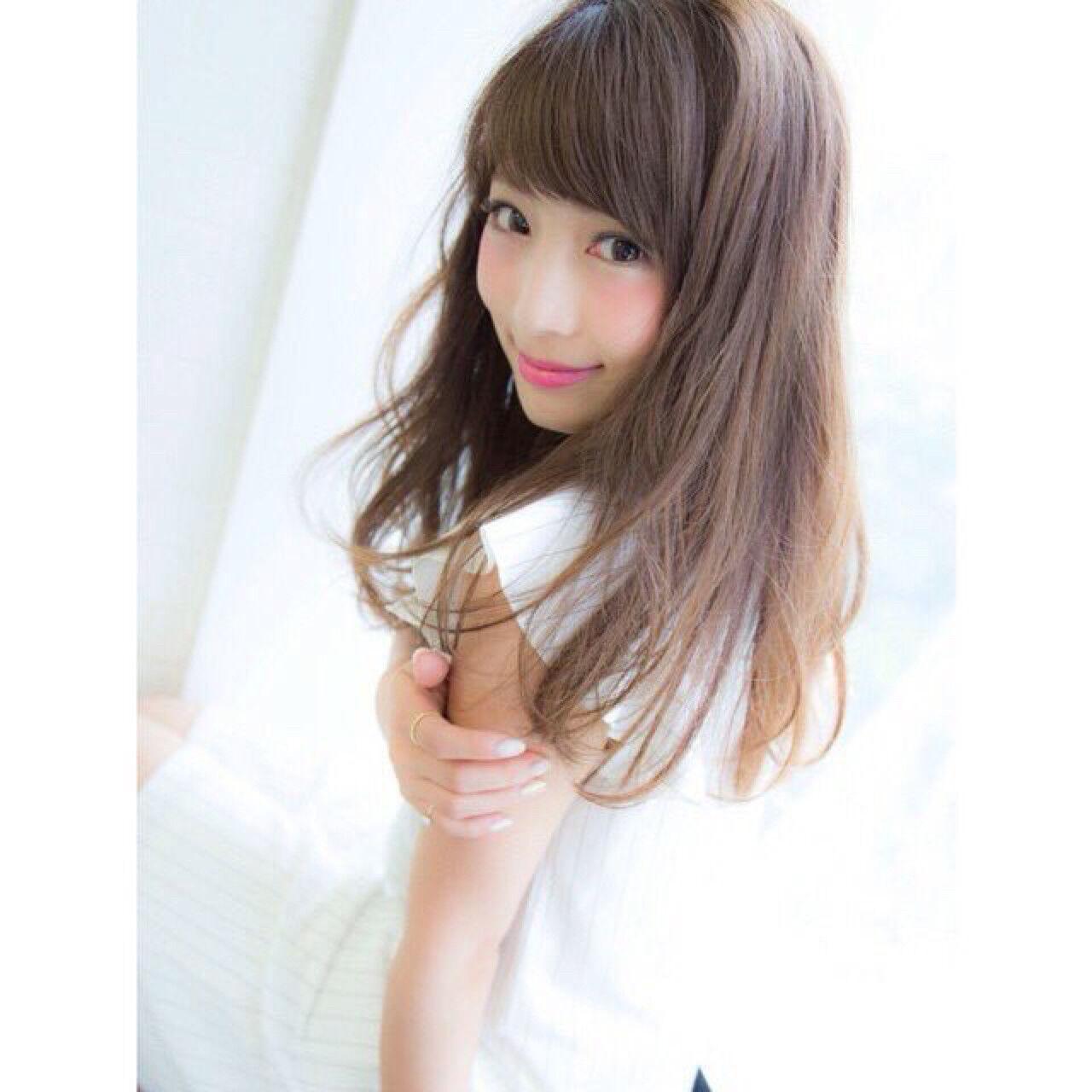 大人かわいい かわいい ストレート セミロングヘアスタイルや髪型の写真・画像