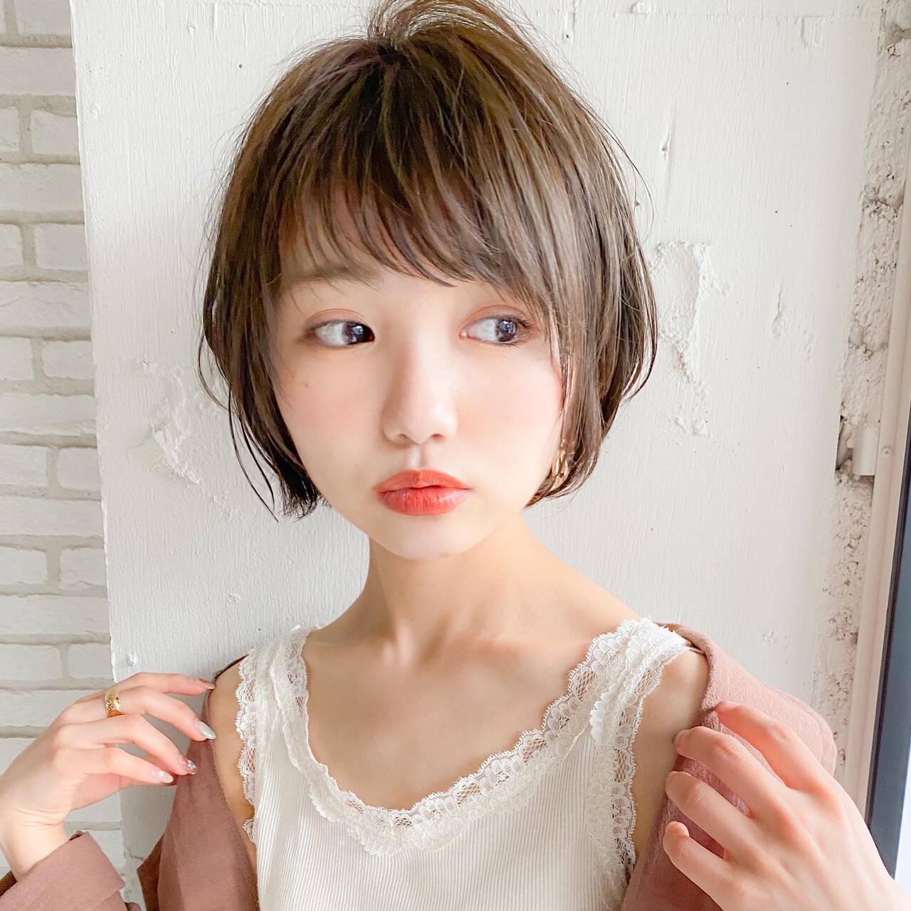 ショートボブ ナチュラル 小顔ショート ひし形シルエットヘアスタイルや髪型の写真・画像