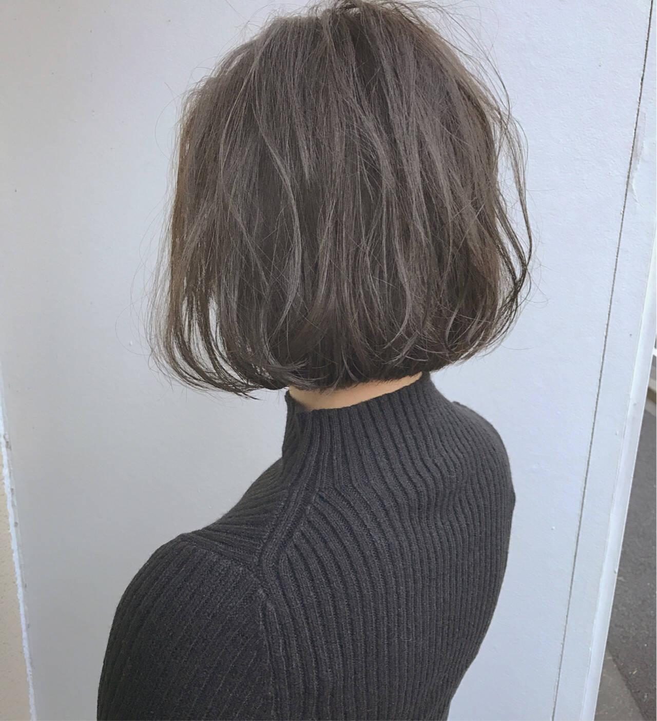 ハイライト パーマ ボブ オフィスヘアスタイルや髪型の写真・画像