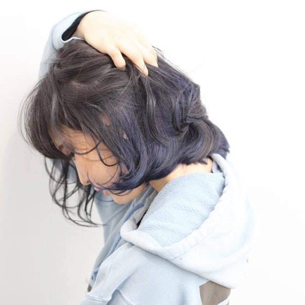 インナーカラー ナチュラル ネイビー ボブヘアスタイルや髪型の写真・画像