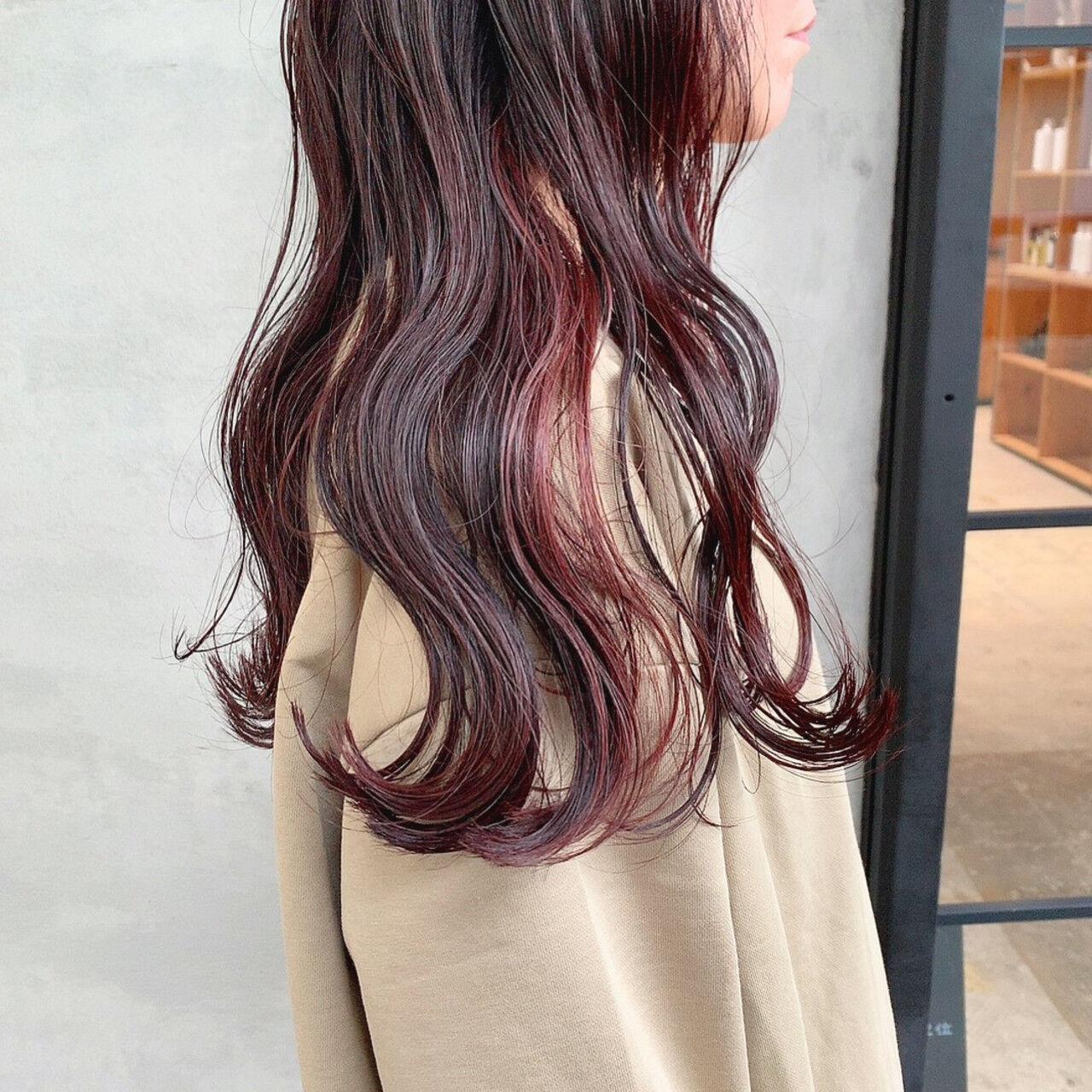 ロング ピンクブラウン 赤髪 簡単スタイリングヘアスタイルや髪型の写真・画像