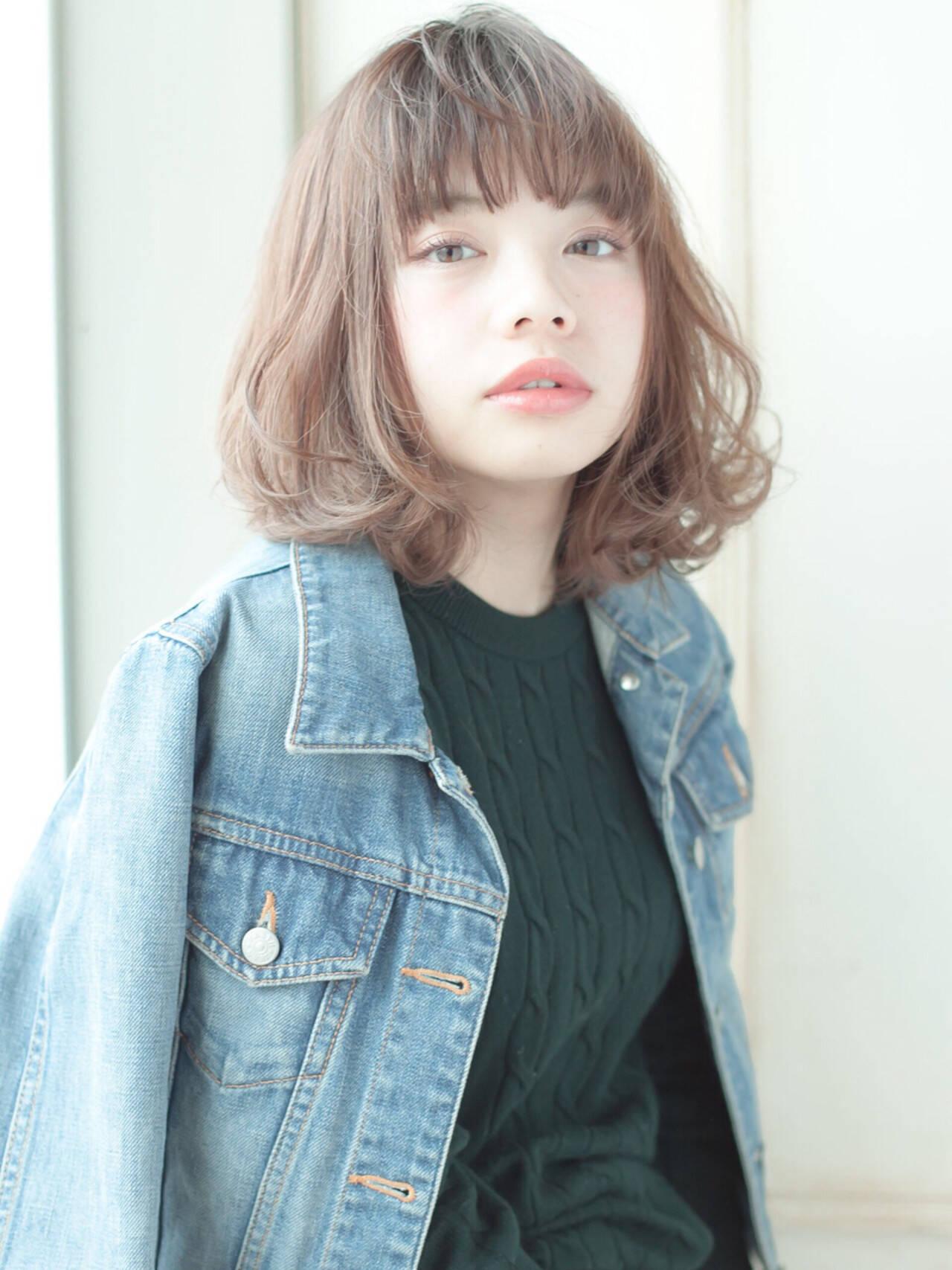 外国人風 レイヤーカット 簡単 パーマヘアスタイルや髪型の写真・画像