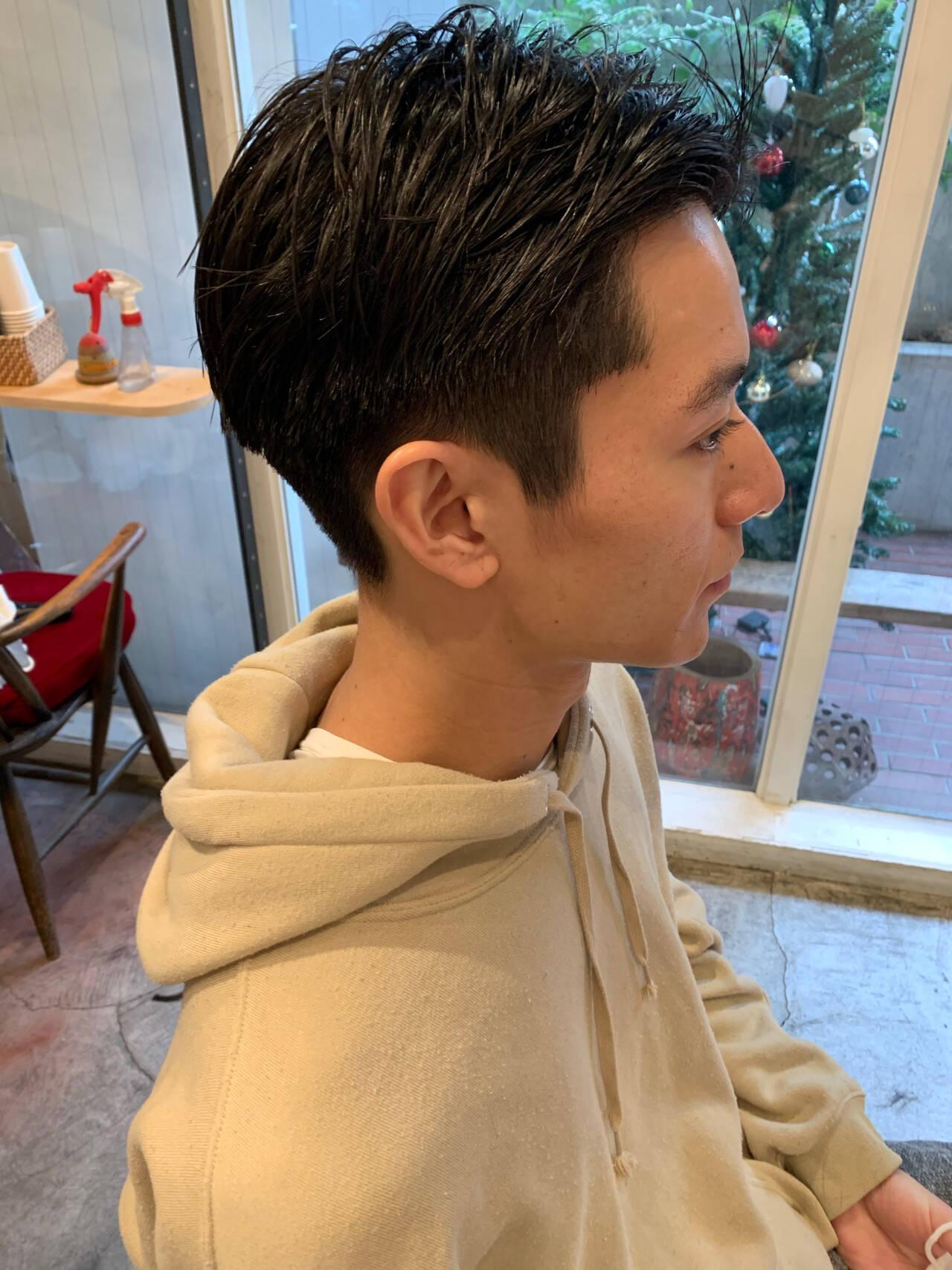 メンズカット ツーブロック 刈り上げ ナチュラルヘアスタイルや髪型の写真・画像
