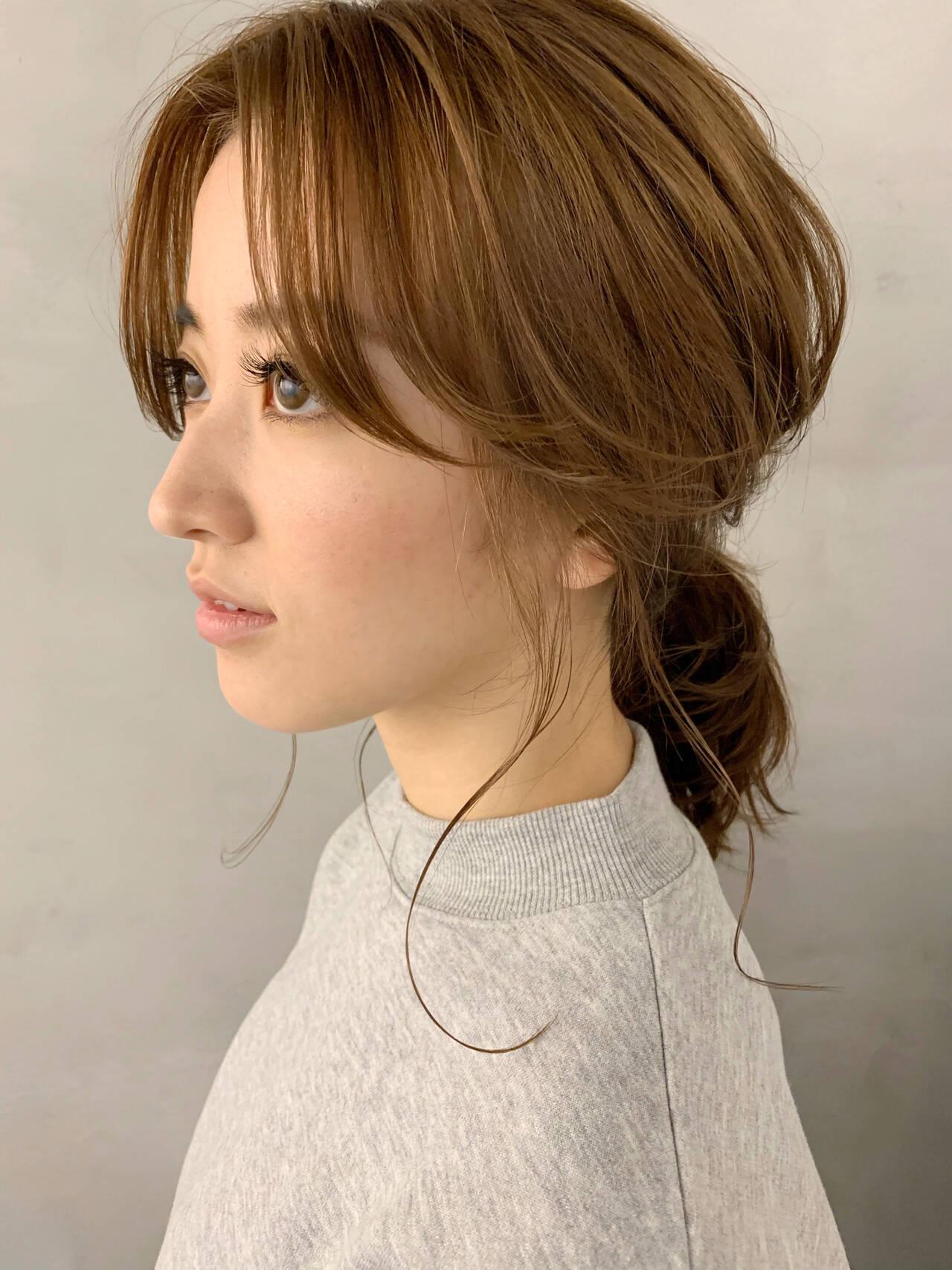ポニーテール センター分け ヘアアレンジ 簡単ヘアアレンジヘアスタイルや髪型の写真・画像