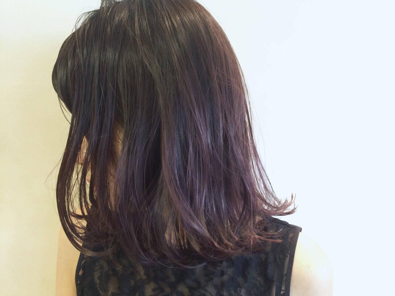外ハネ パープル 暗髪 大人かわいいヘアスタイルや髪型の写真・画像