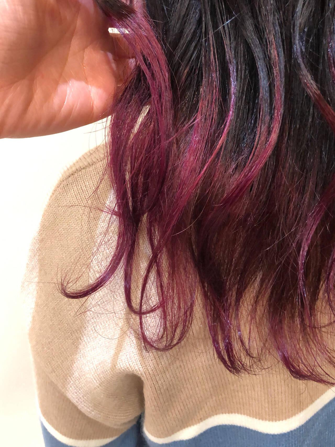 ロング 外国人風 グラデーションカラー ベリーピンクヘアスタイルや髪型の写真・画像