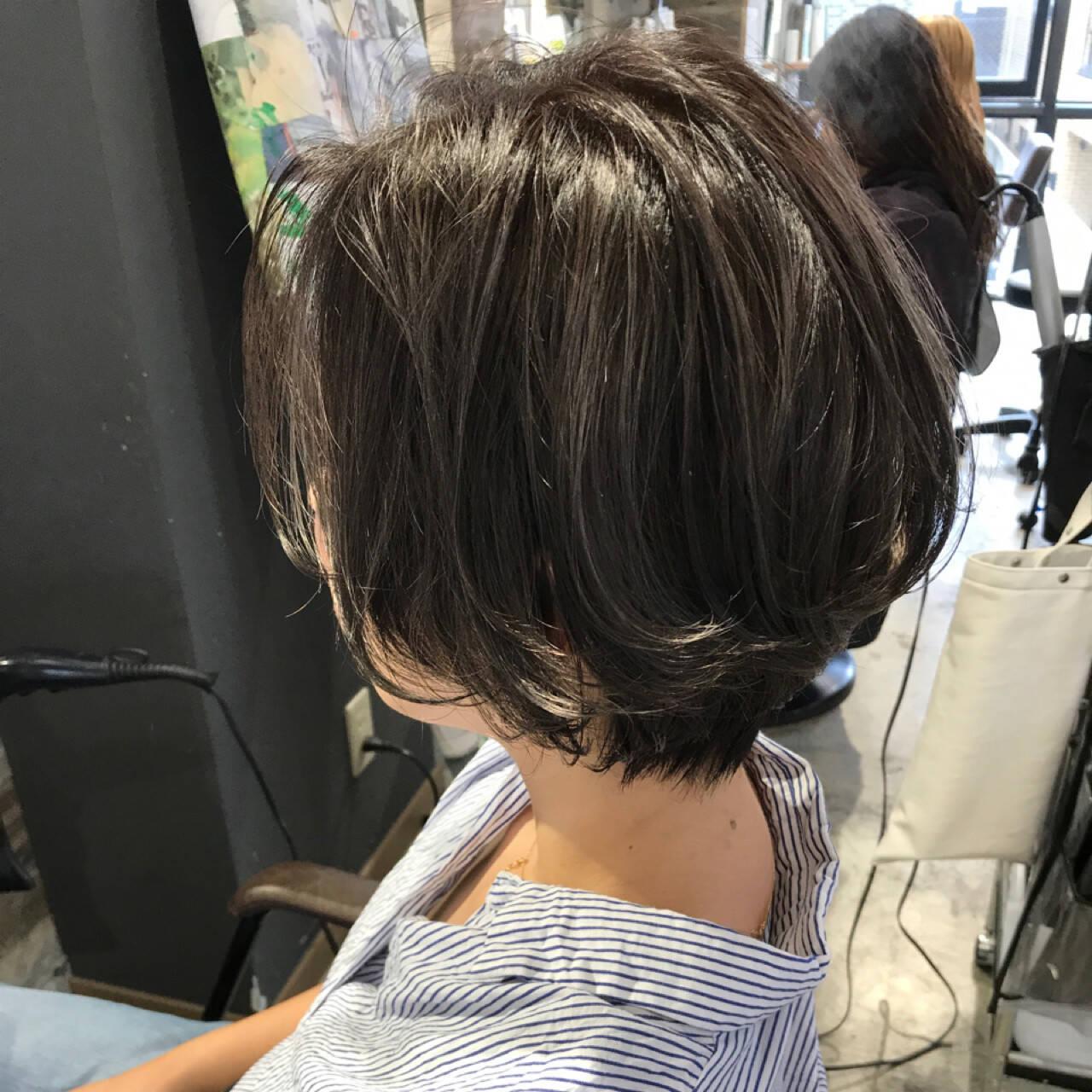 デート 涼しげ ボブ ハイライトヘアスタイルや髪型の写真・画像