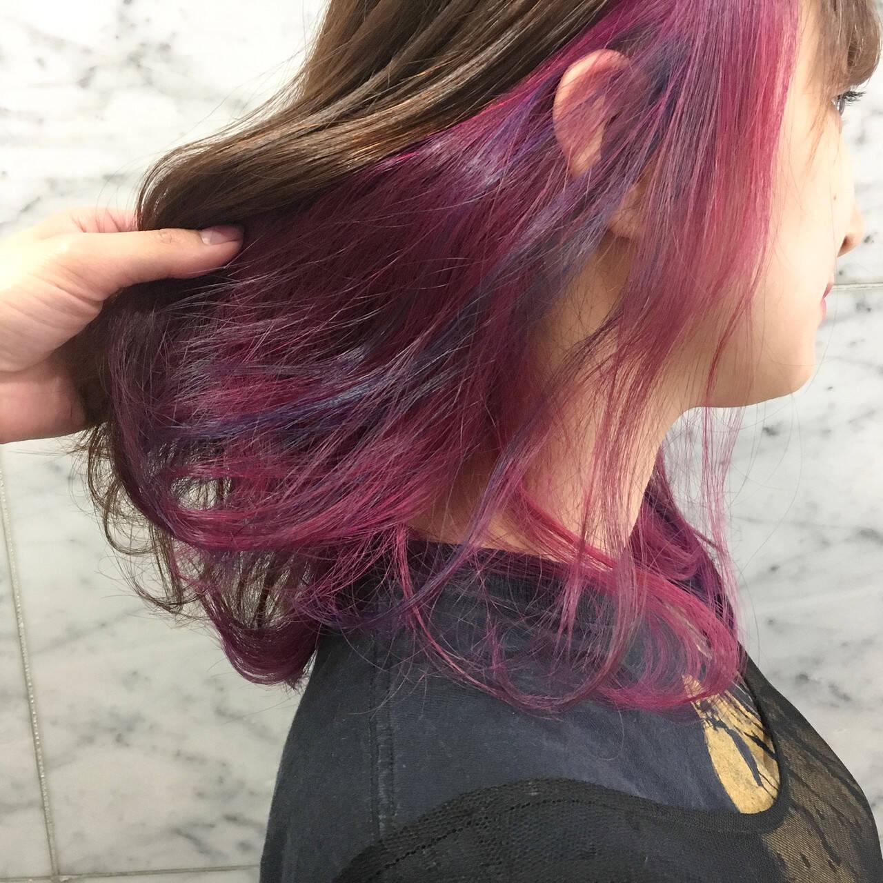 コリアンピンク セミロング インナーカラーパープル インナーカラーヘアスタイルや髪型の写真・画像