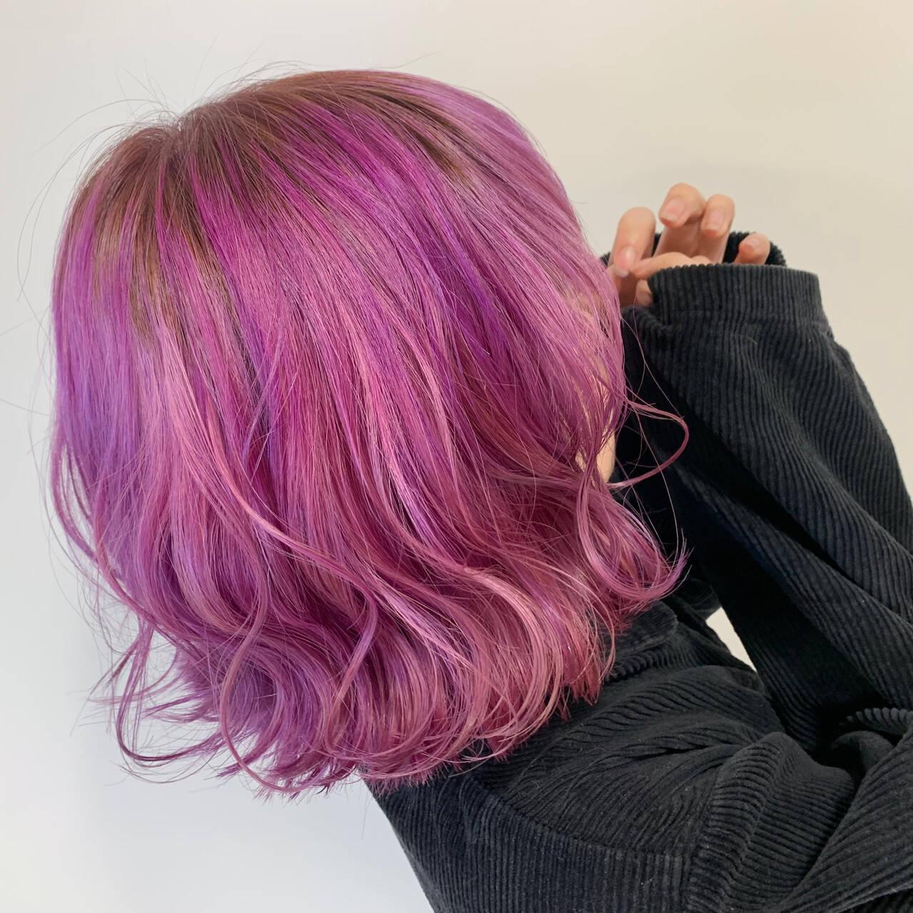 ショート ショートヘア ヘアアレンジ 巻き髪ヘアスタイルや髪型の写真・画像