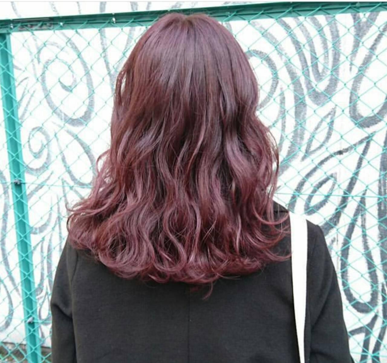 ピンク ストリート ダブルカラー ベージュヘアスタイルや髪型の写真・画像