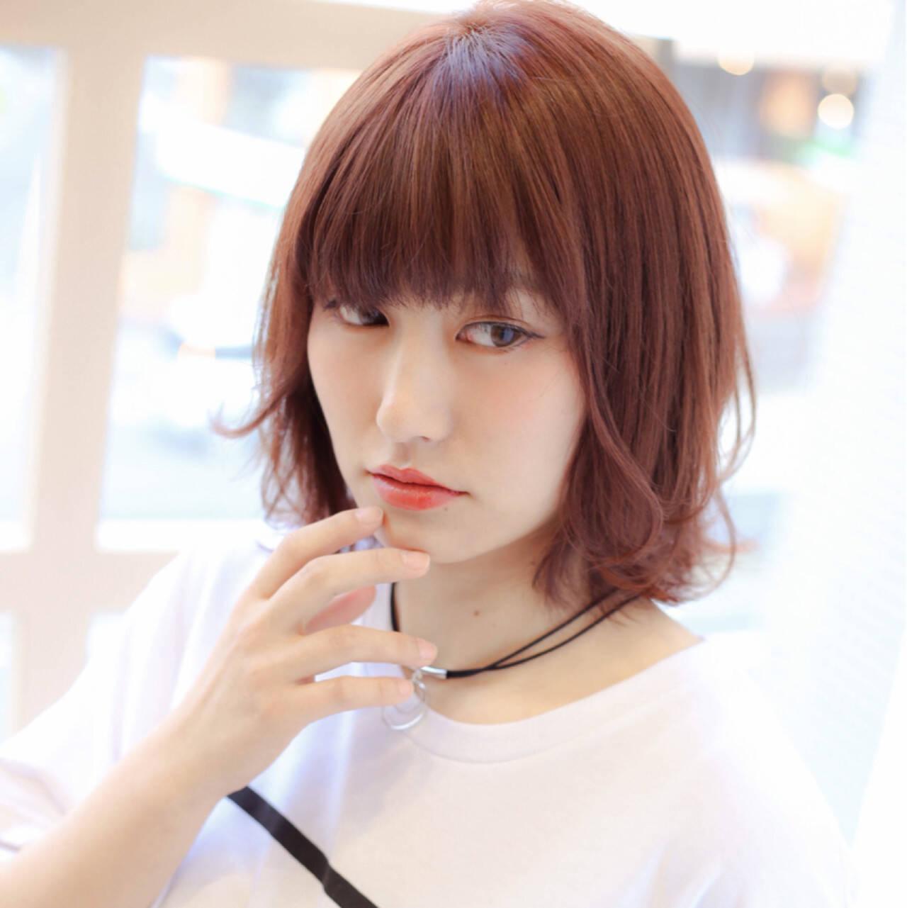 色気 ウルフカット レッド 前髪ありヘアスタイルや髪型の写真・画像
