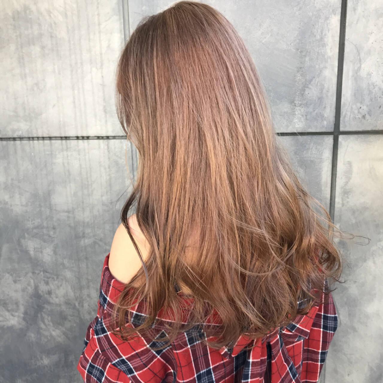 ブリーチカラー ベージュ 透明感 ロングヘアスタイルや髪型の写真・画像