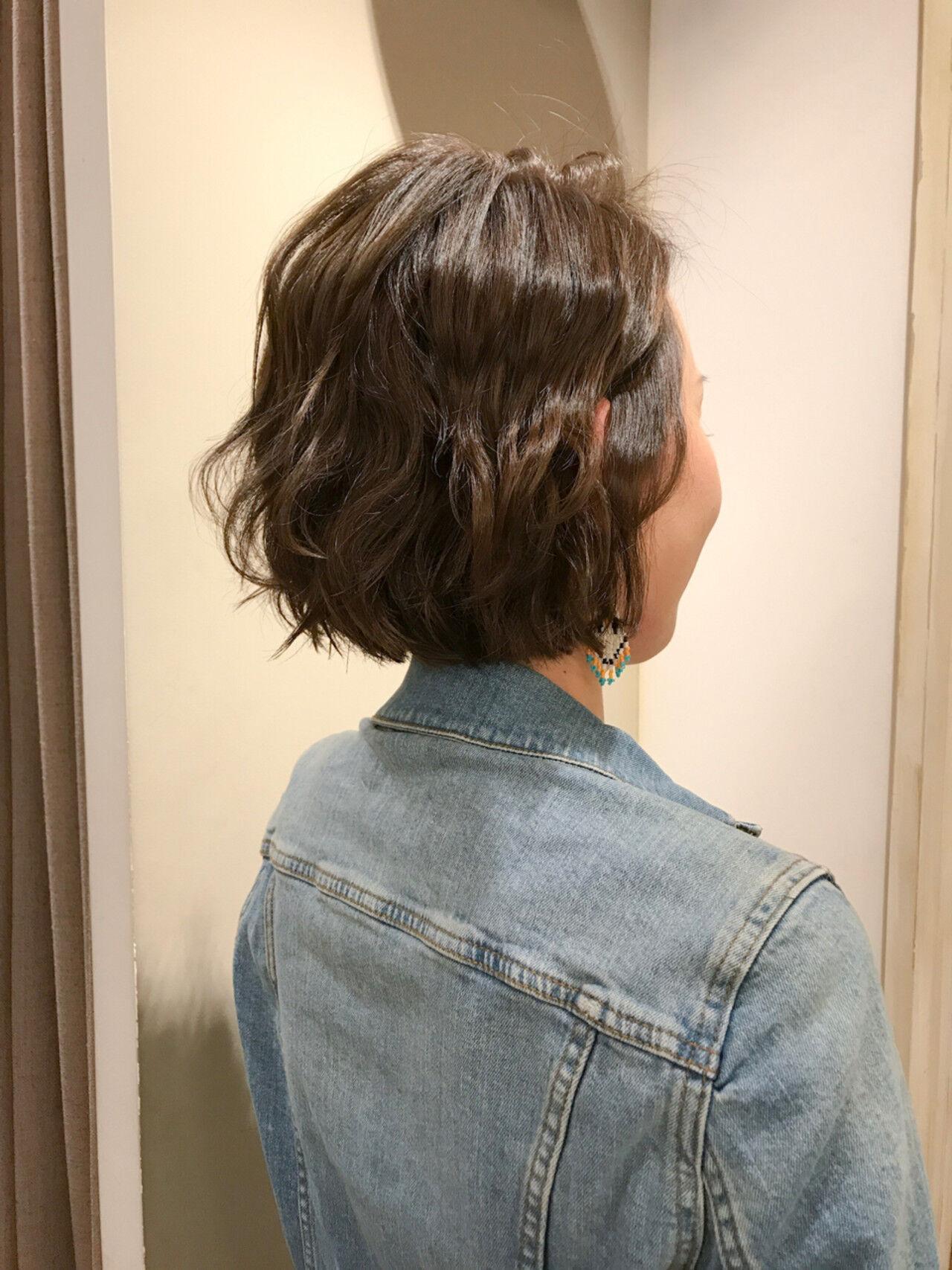 切りっぱなし 簡単ヘアアレンジ ボブ カーキアッシュヘアスタイルや髪型の写真・画像