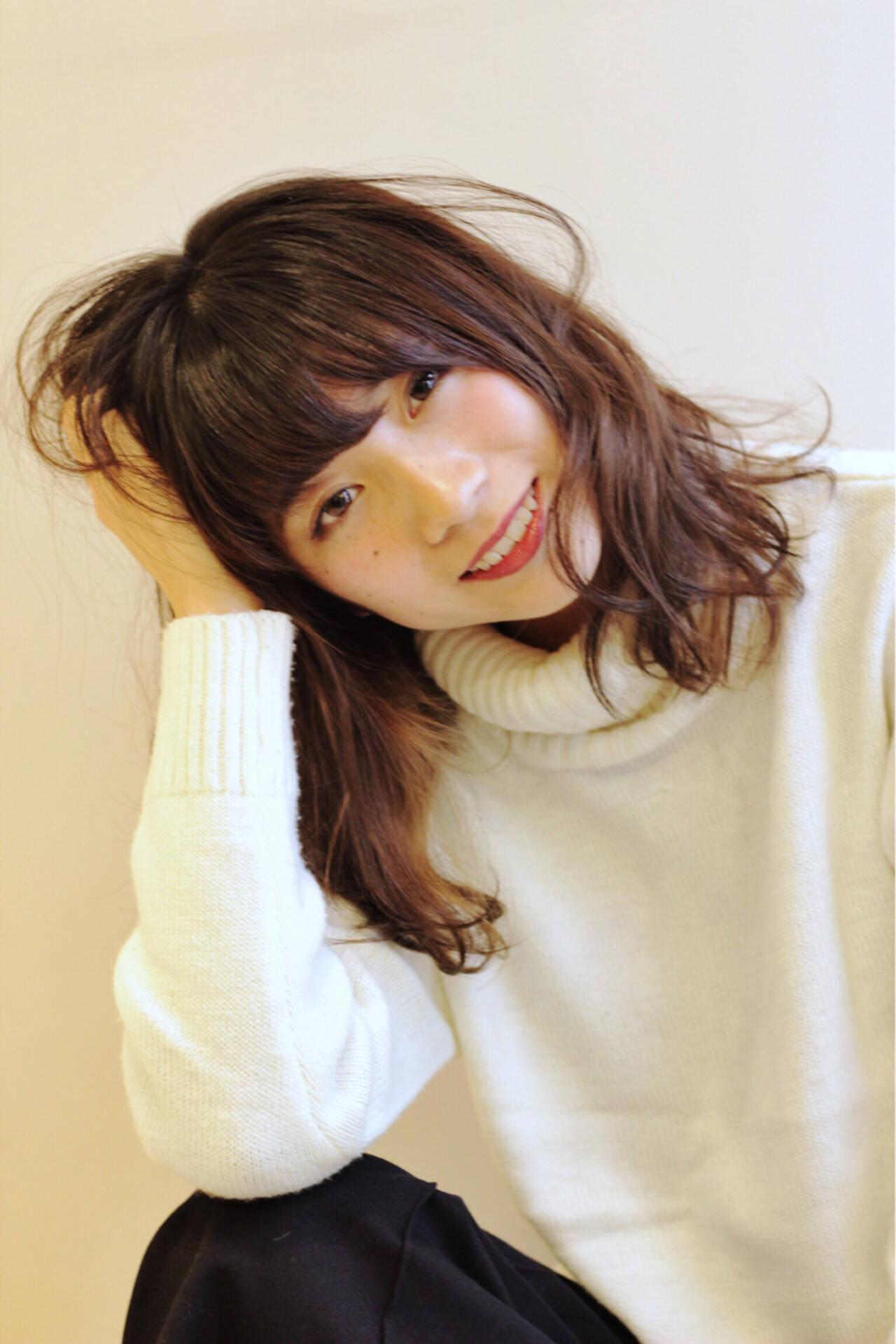大人女子 ハイライト ニュアンス ロングヘアスタイルや髪型の写真・画像