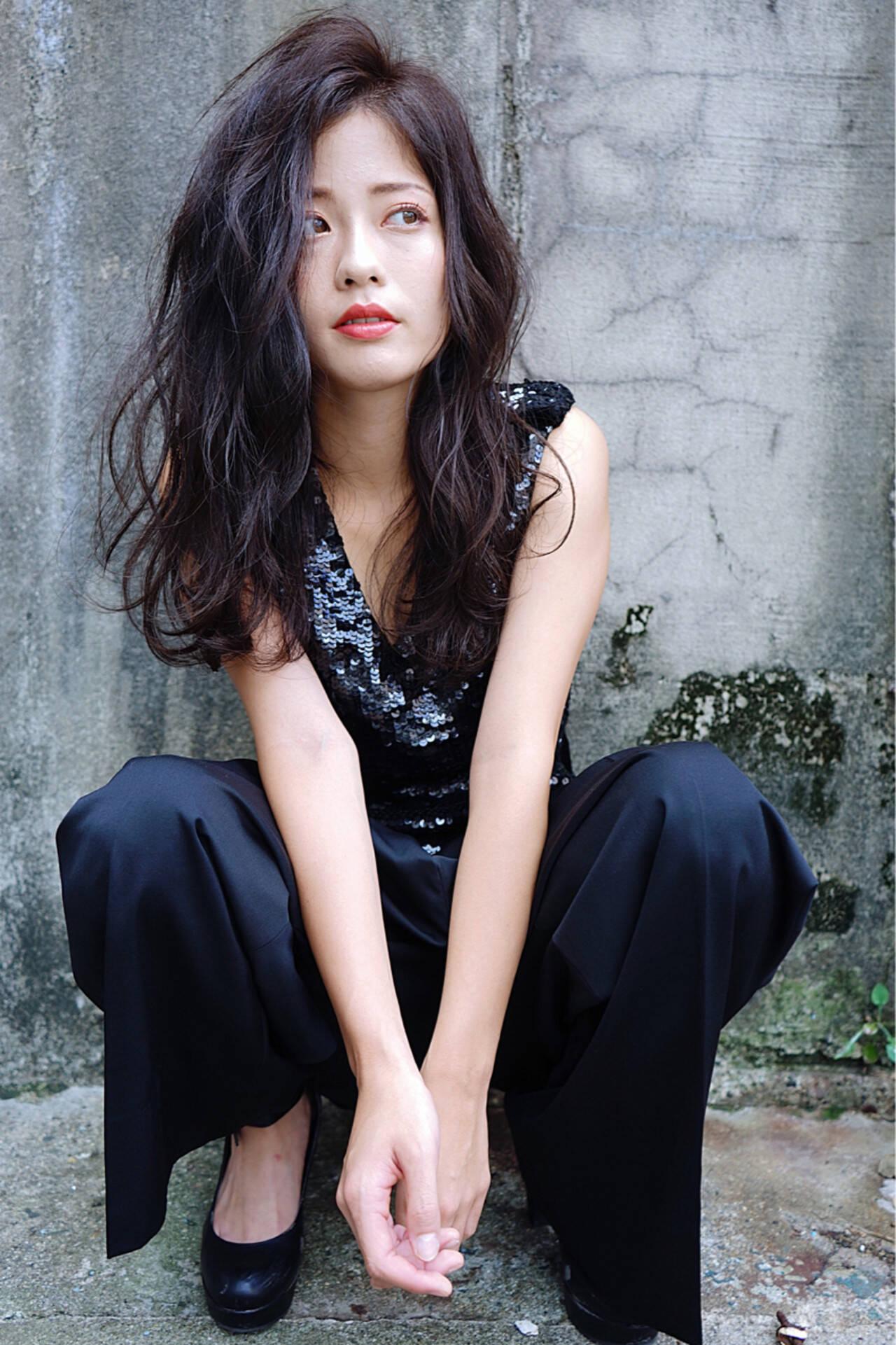 ロング 外国人風 アッシュ モードヘアスタイルや髪型の写真・画像