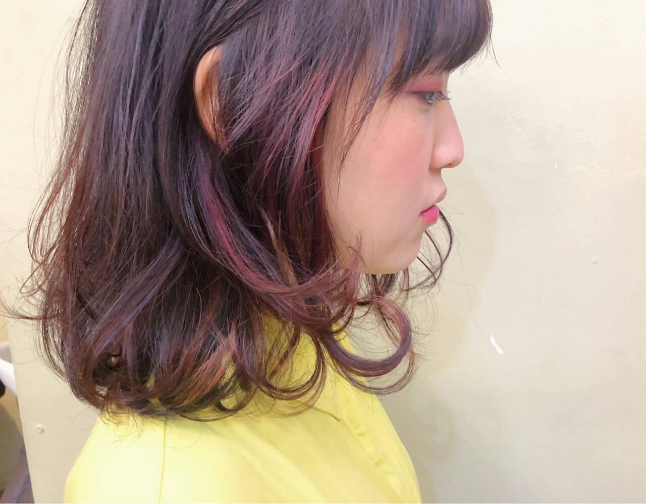 ハイライト ベリーピンク レッド ガーリーヘアスタイルや髪型の写真・画像