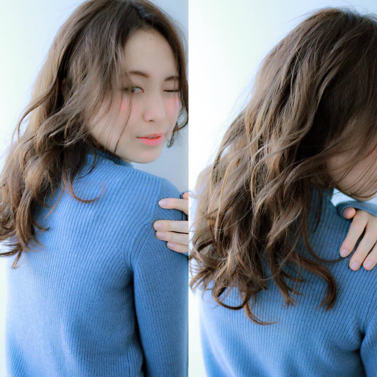 大人かわいい ロング ゆるふわ 暗髪ヘアスタイルや髪型の写真・画像
